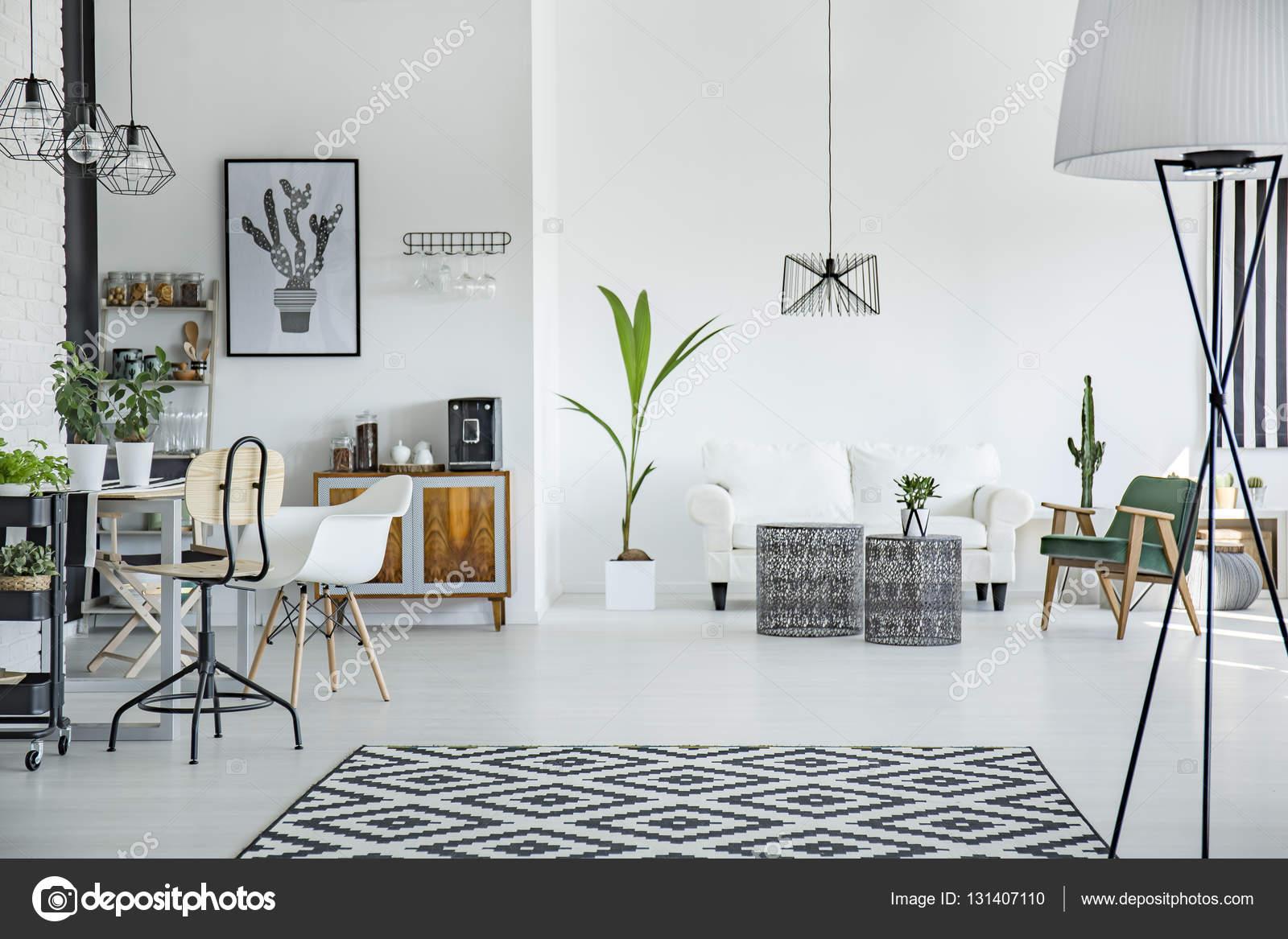 Loft interieur in scandinavische stijl stockfoto for Loft interieur