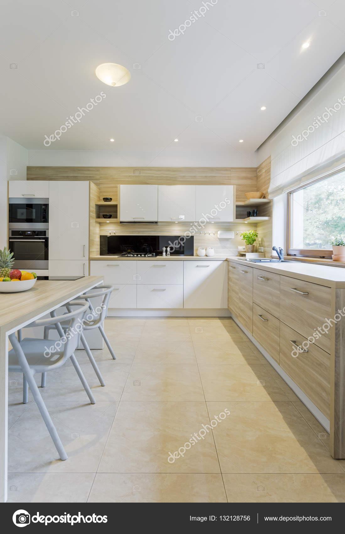Cozinha Moderna Cheia De Frescura E Ar Stock Photo Photographee