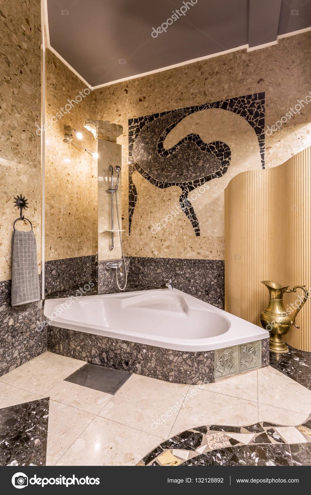 https://st3.depositphotos.com/2249091/13212/i/1600/depositphotos_132128892-stock-photo-elegant-mosaic-bathroom-with-large.jpg