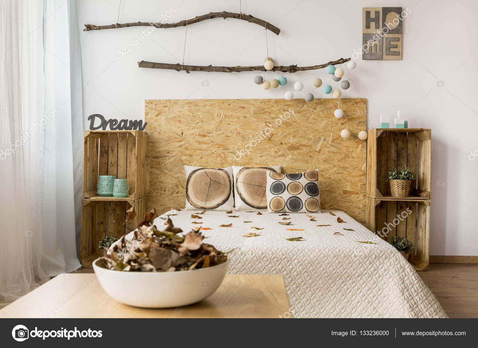 Chambre marron et blanche — Photographie photographee.eu © #133236000