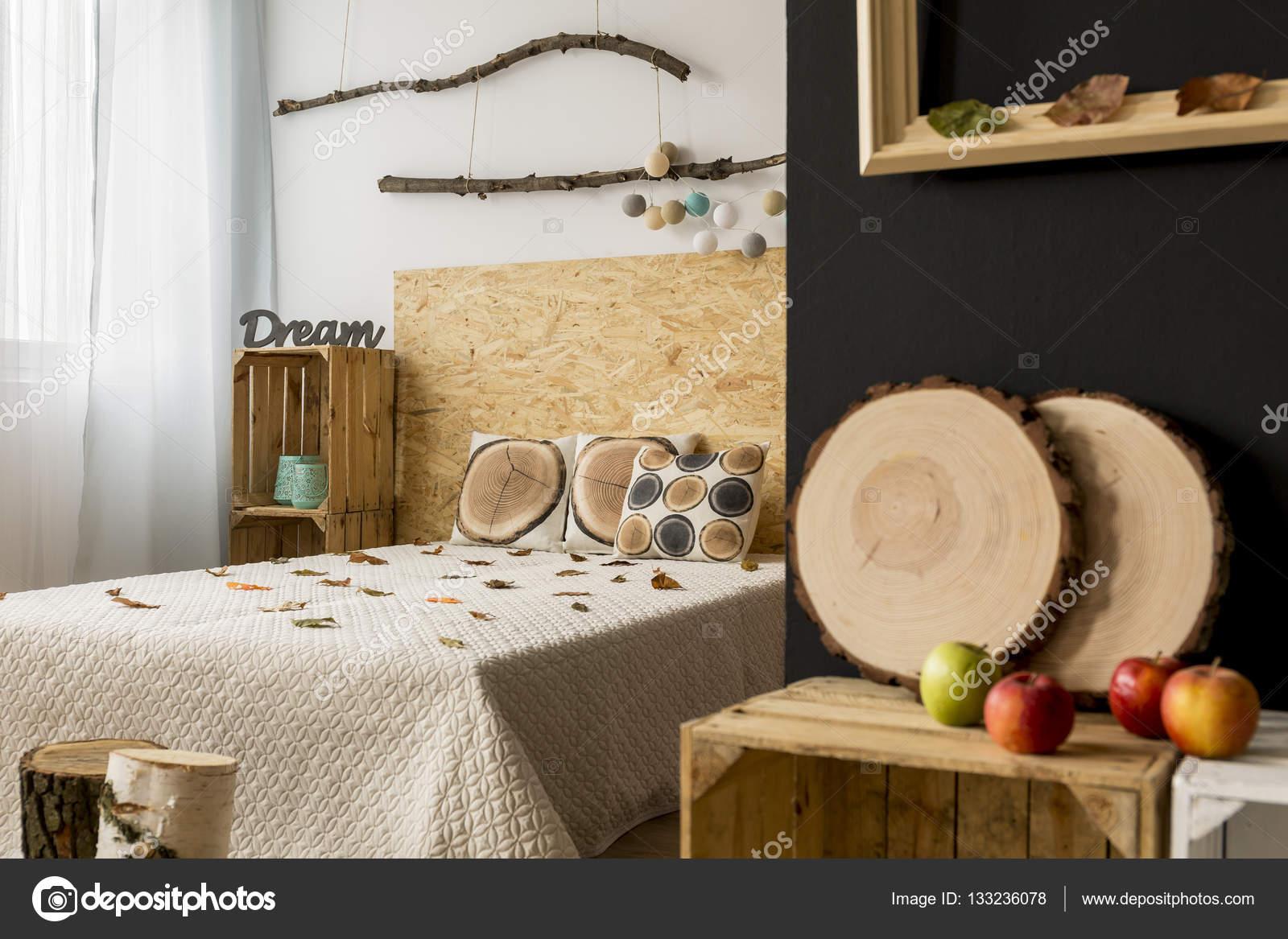 Diy Slaapkamer Decoratie : Herfst decoratie in een slaapkamer u stockfoto photographee eu