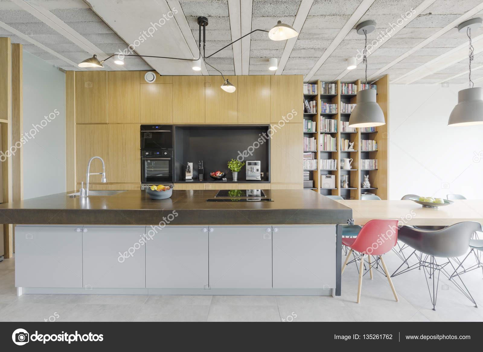 Przestronna Kuchnia Nowoczesna Zdjęcie Stockowe