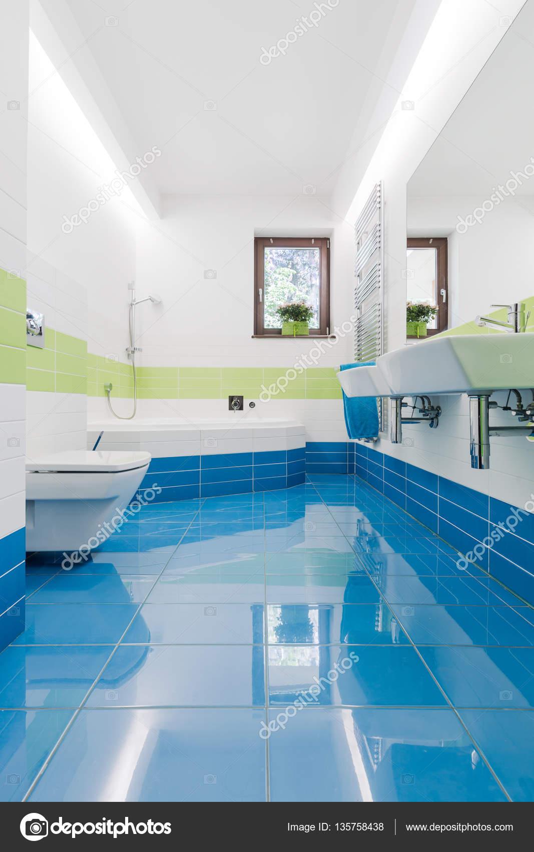 Fotos: lavamanos   Colores cuarto de baño con inodoro y ...