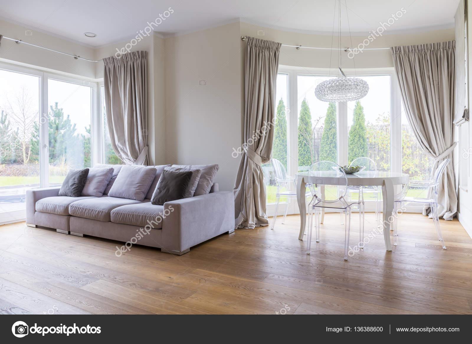 Glamour woonkamer interieur — Stockfoto © photographee.eu #136388600