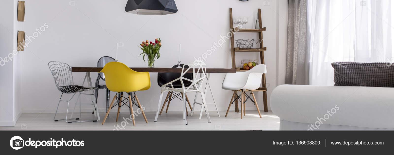 sala da pranzo contemporanea — Foto Stock © photographee.eu #136908800