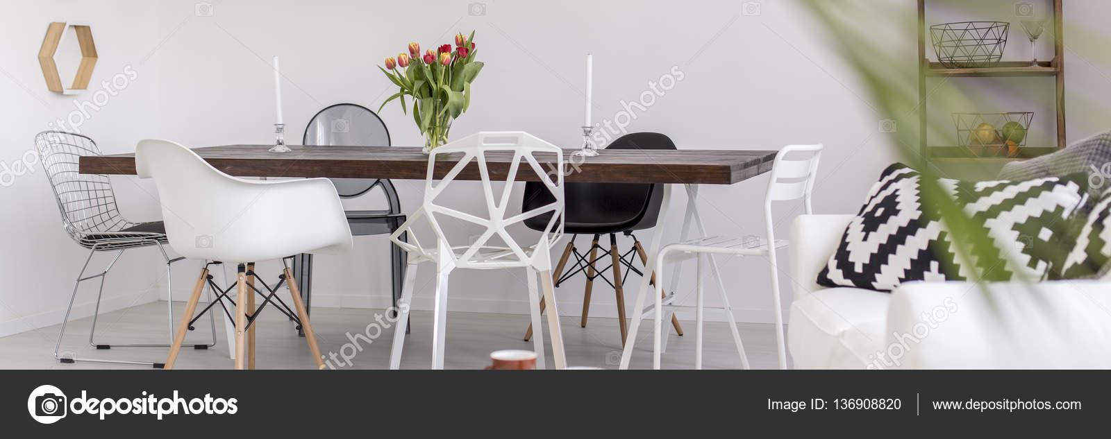 Maison moderne noir et blanc — Photographie photographee.eu © #136908820