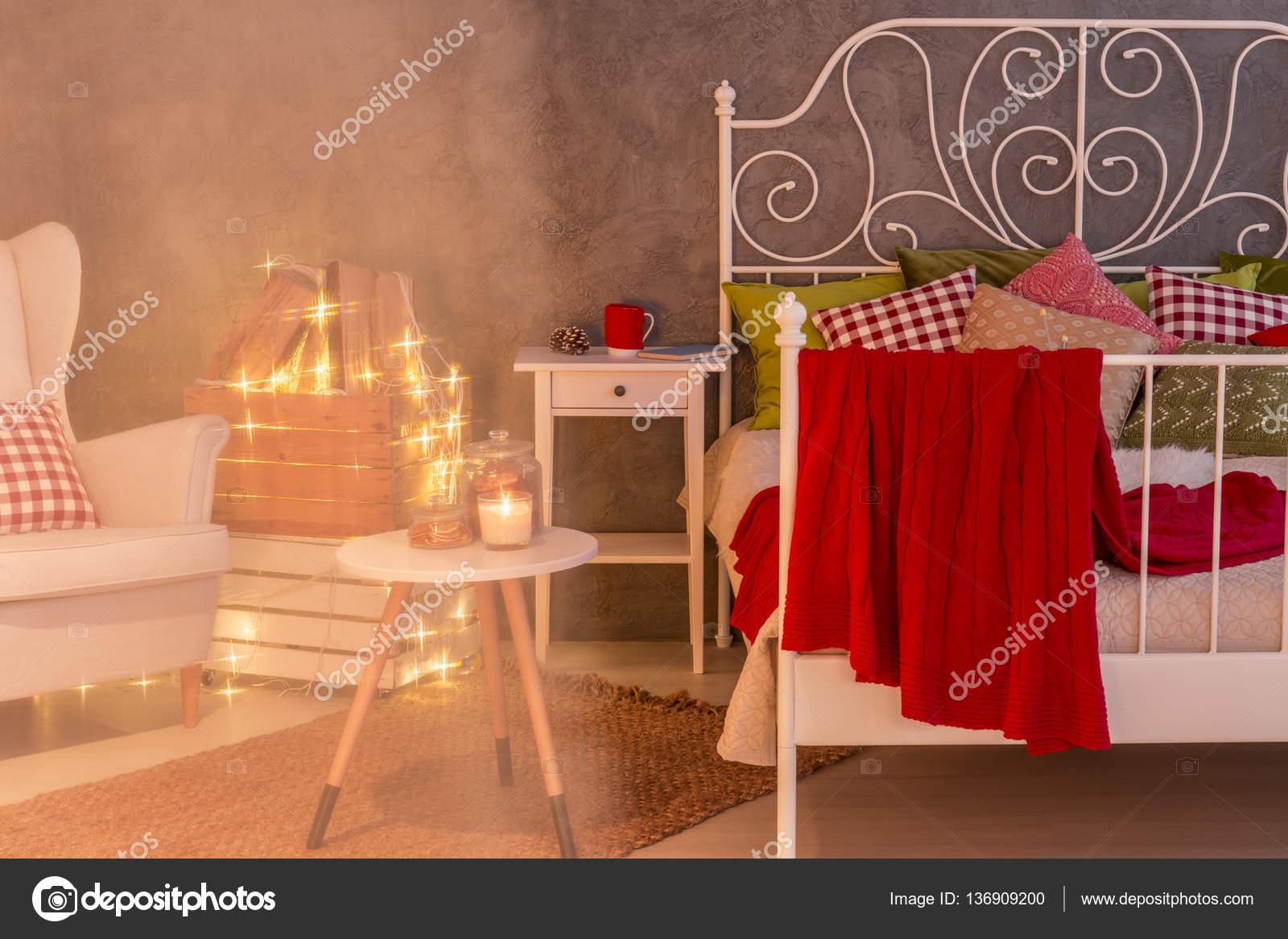 Hipster Schlafzimmer Mit Weißen Bett U2014 Stockfoto