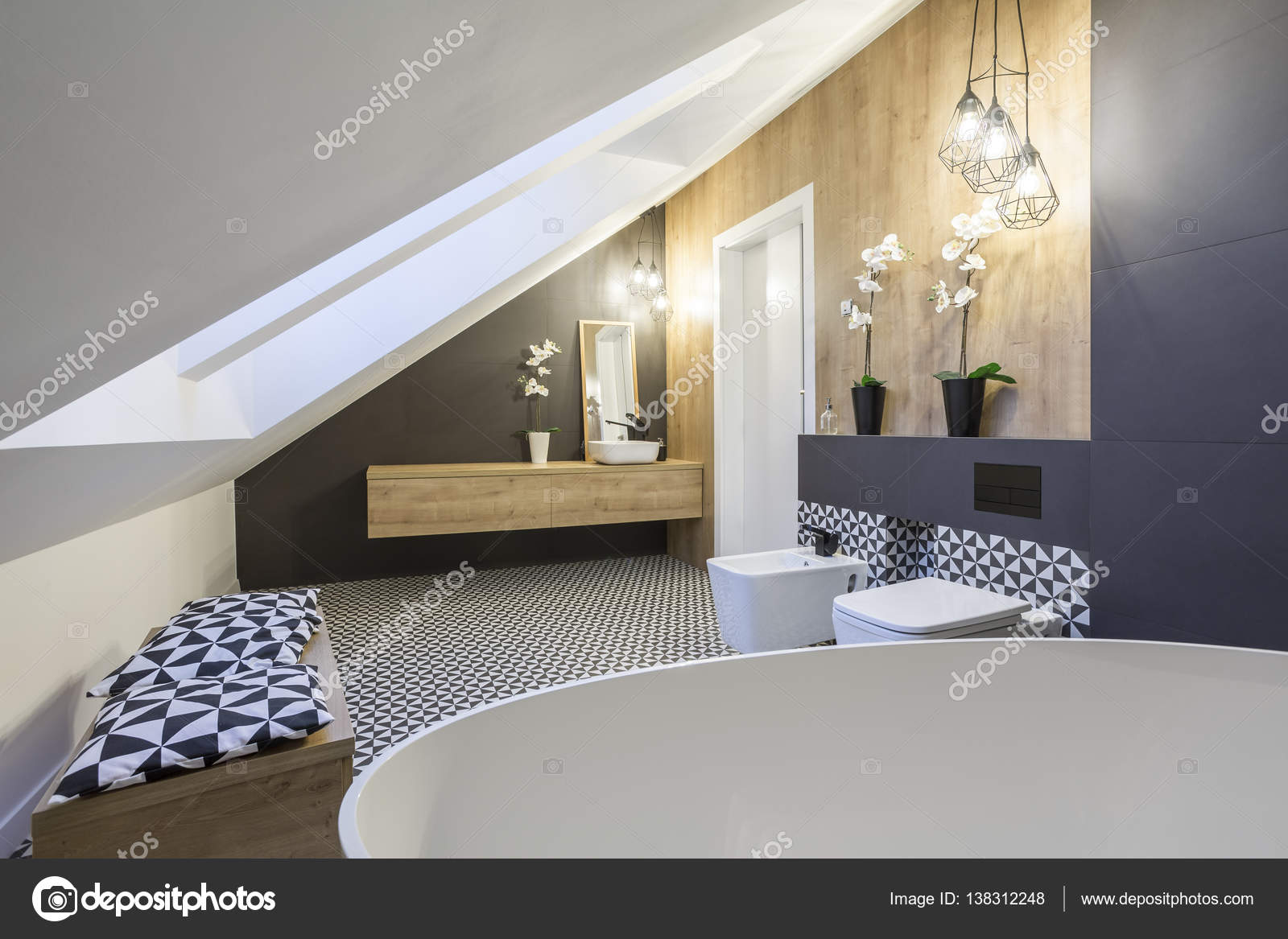 Design moderno bagno mansarda u foto stock photographee eu