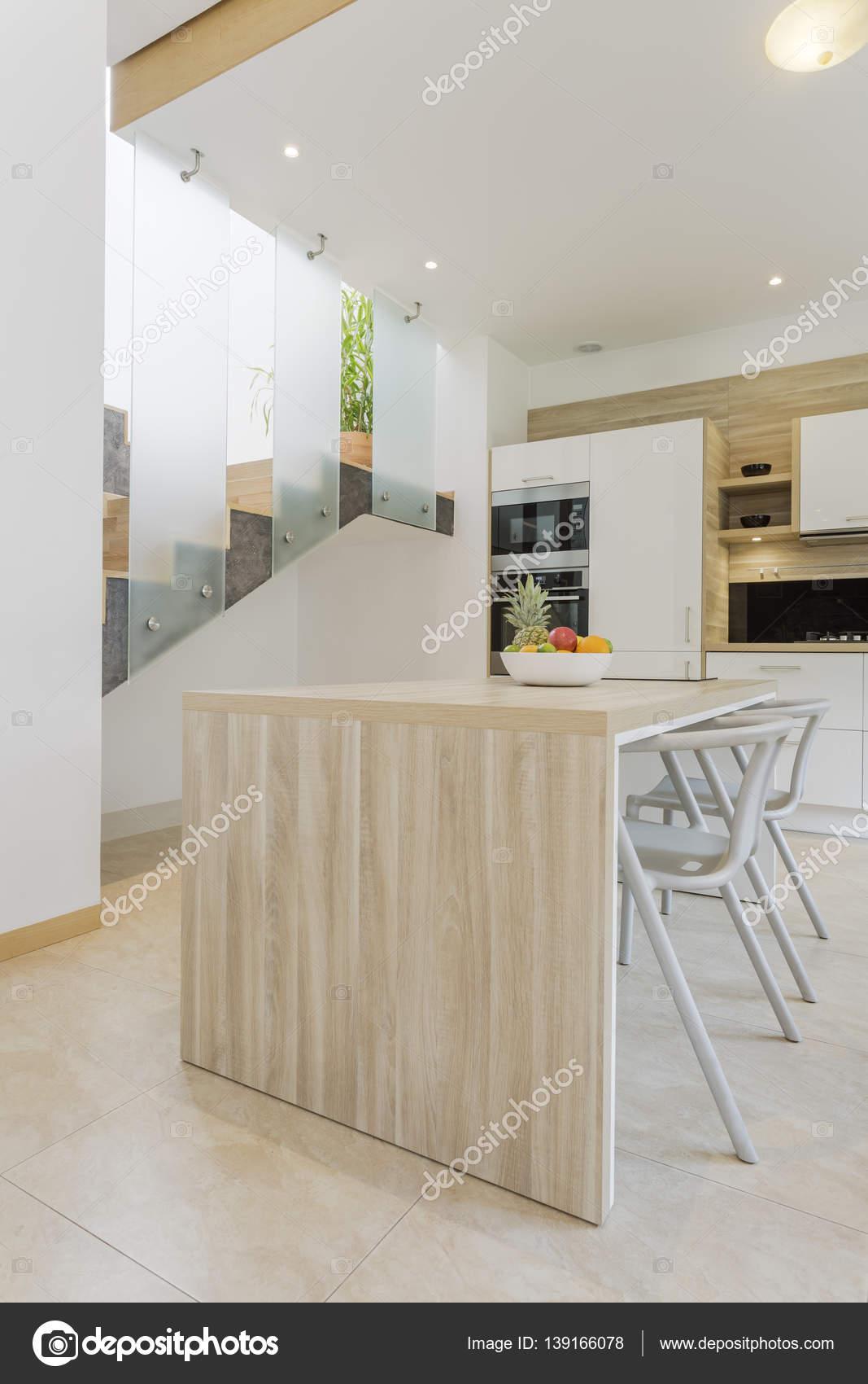 Cozinha Moderna Com Bancada De Madeira Stock Photo Photographee