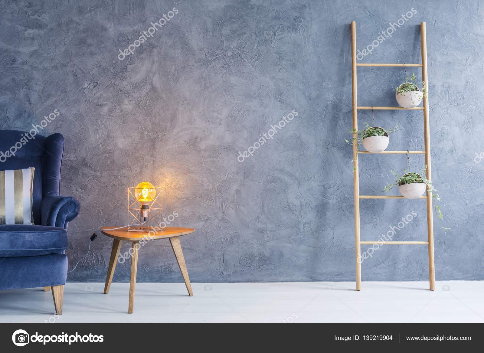 Lampada In Rame Design : Lampada e tavolino di rame u foto stock photographee eu