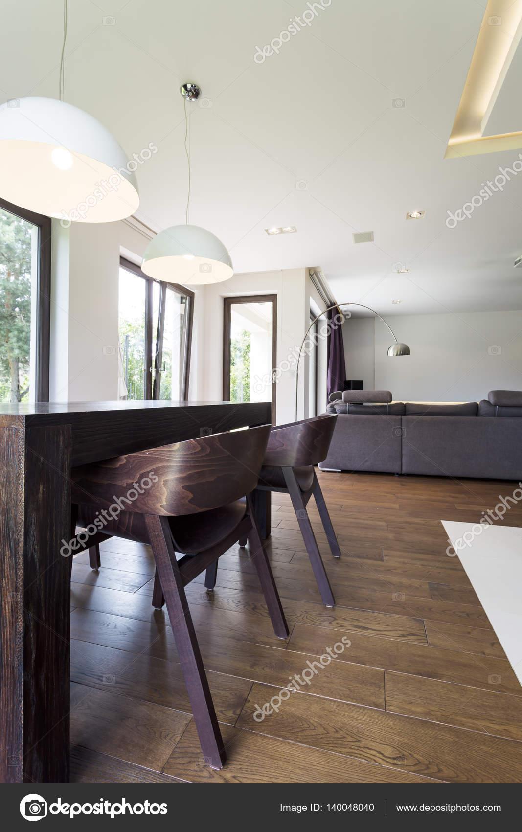 Stoelen in de woonkamer — Stockfoto © photographee.eu #140048040