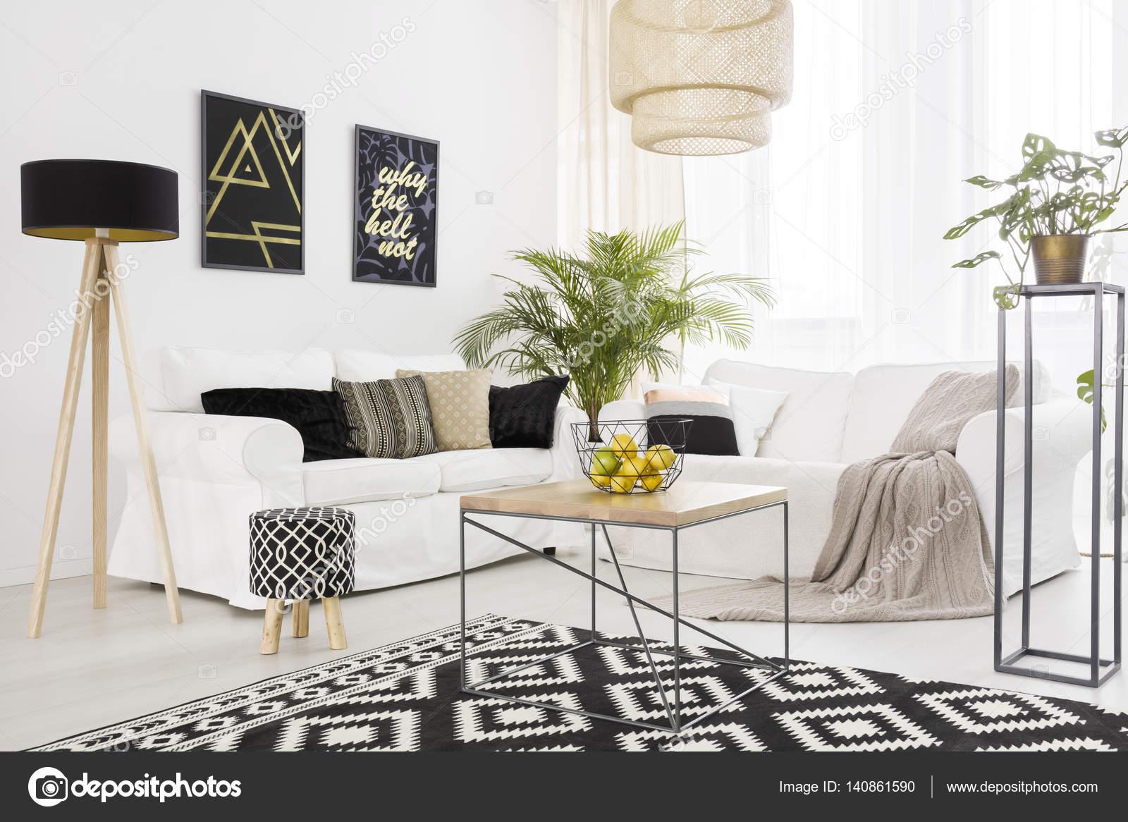zwart-wit woonkamer — Stockfoto © photographee.eu #140861590