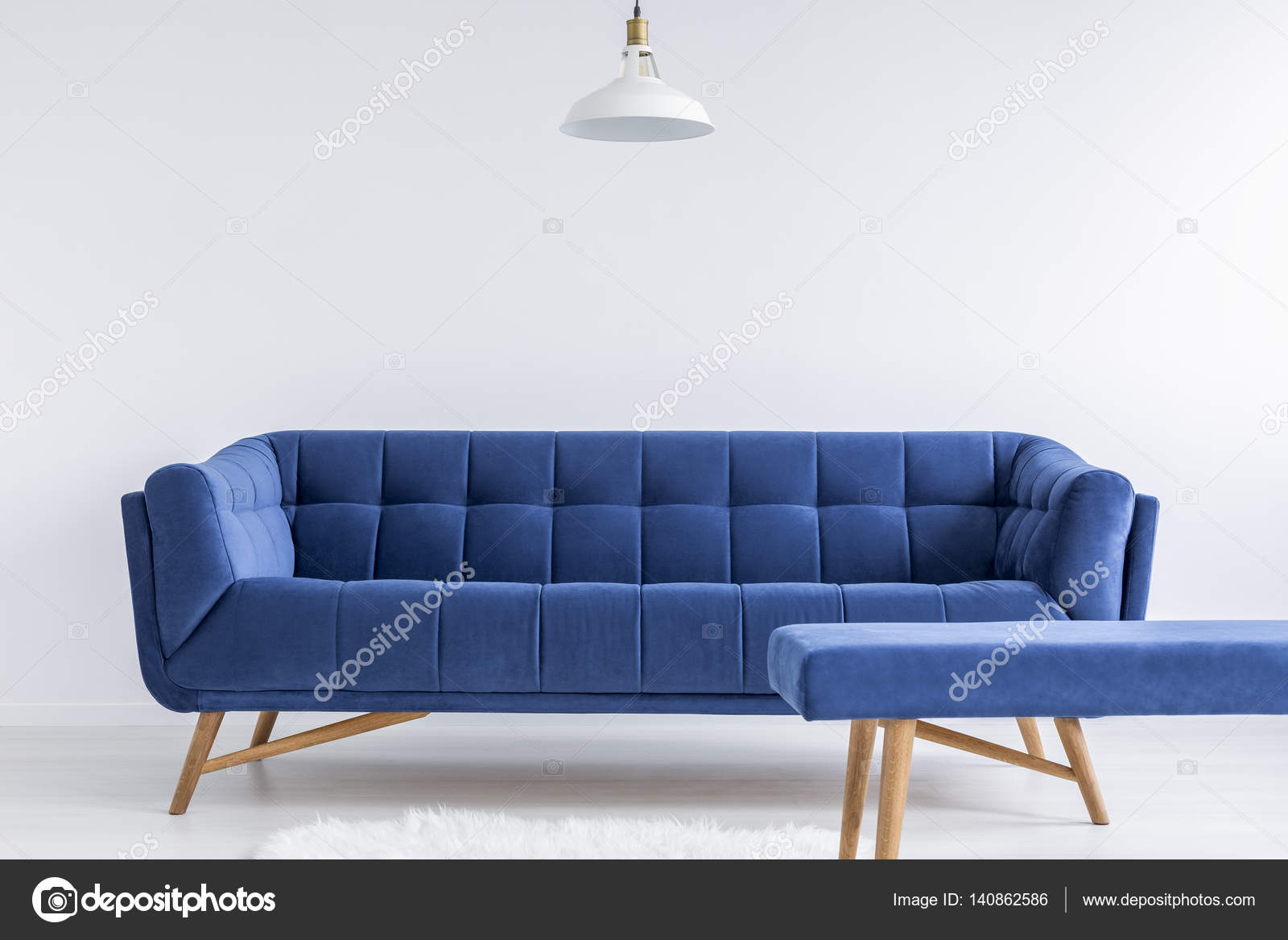 Room with vintage sofa Stock Photo photographeeeu 140862586