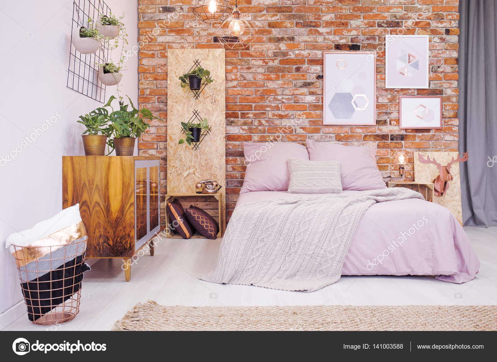 Diy Kamer Decoratie : Slaapkamer met osb decoratie u stockfoto photographee eu