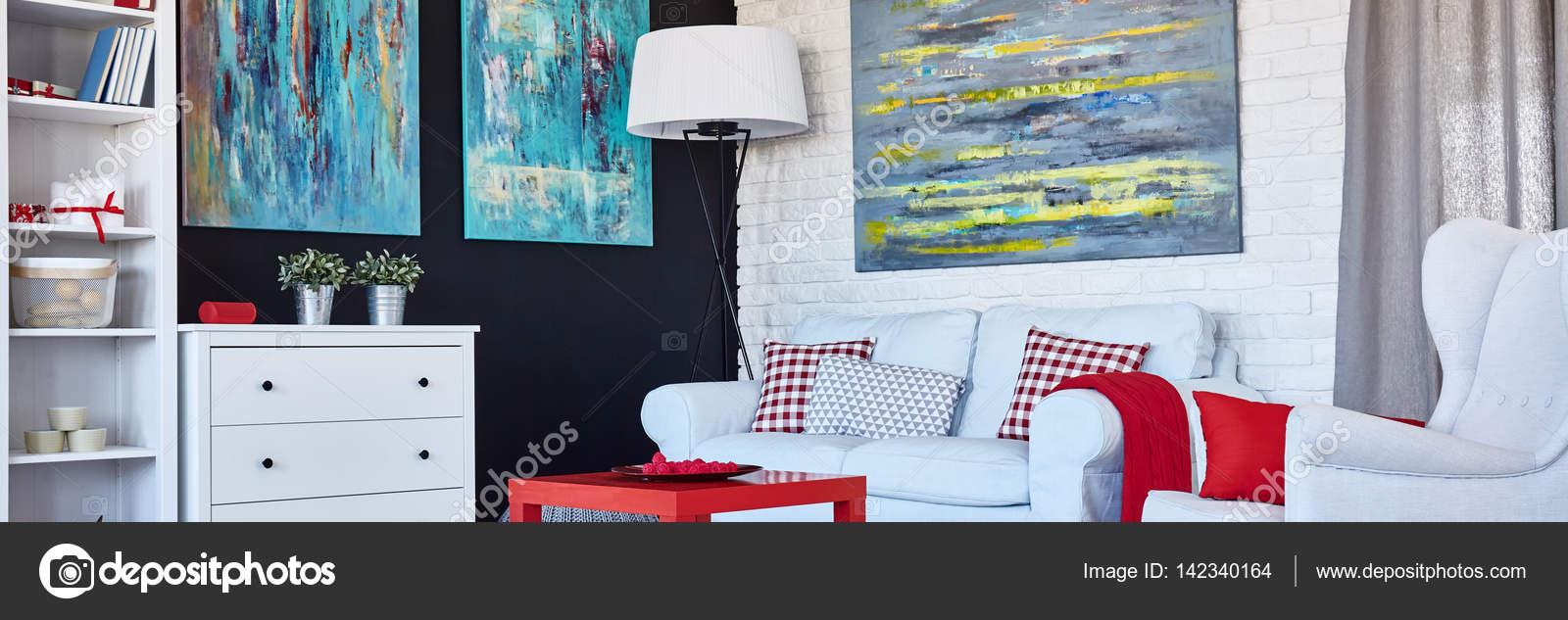 Muebles Blancos Y Decoracion Rojo Fotos De Stock C Photographeeeu - Decoracion-muebles-blanco