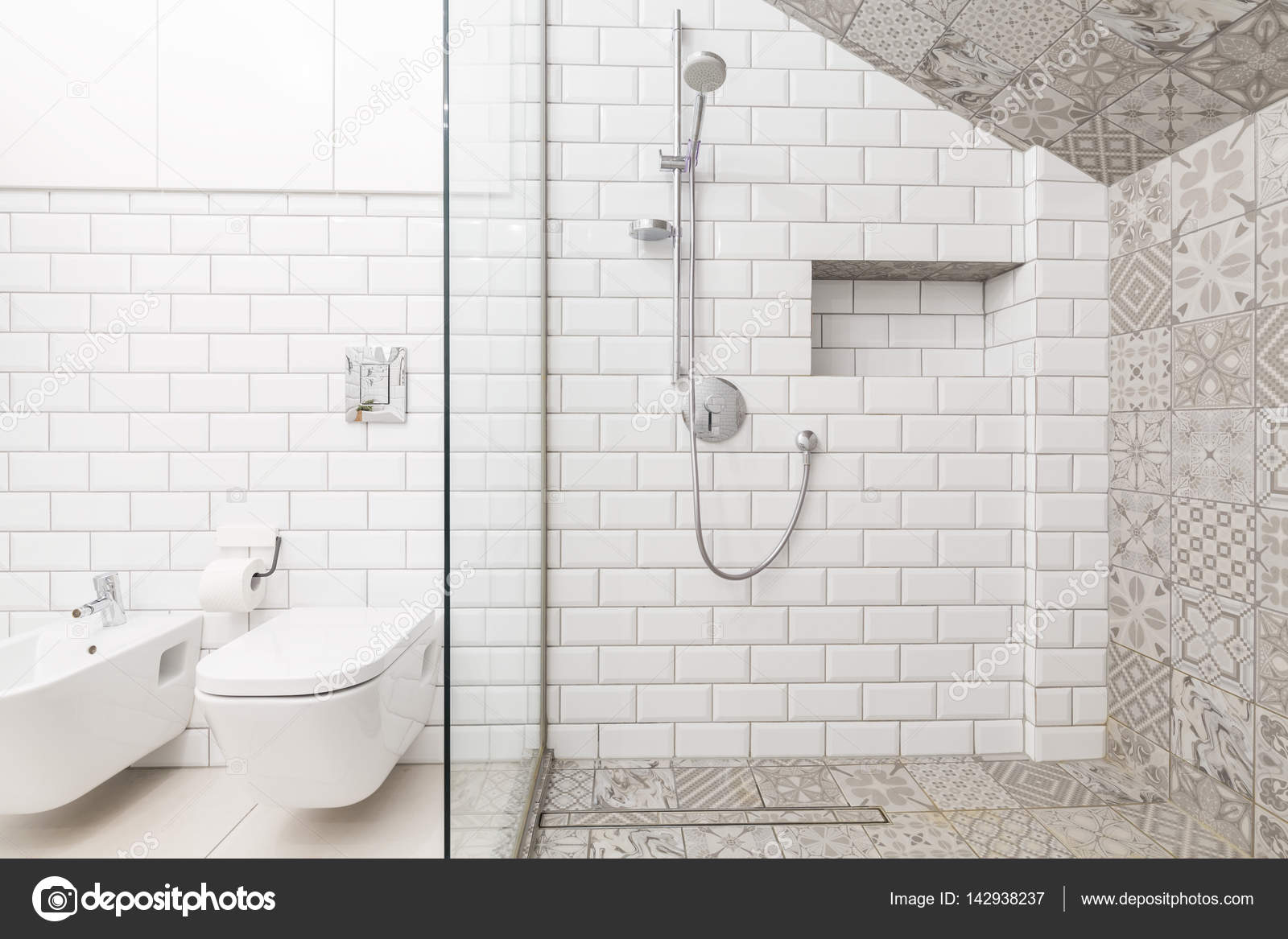 Luxe beige badkamer — Stockfoto © photographee.eu #142938237