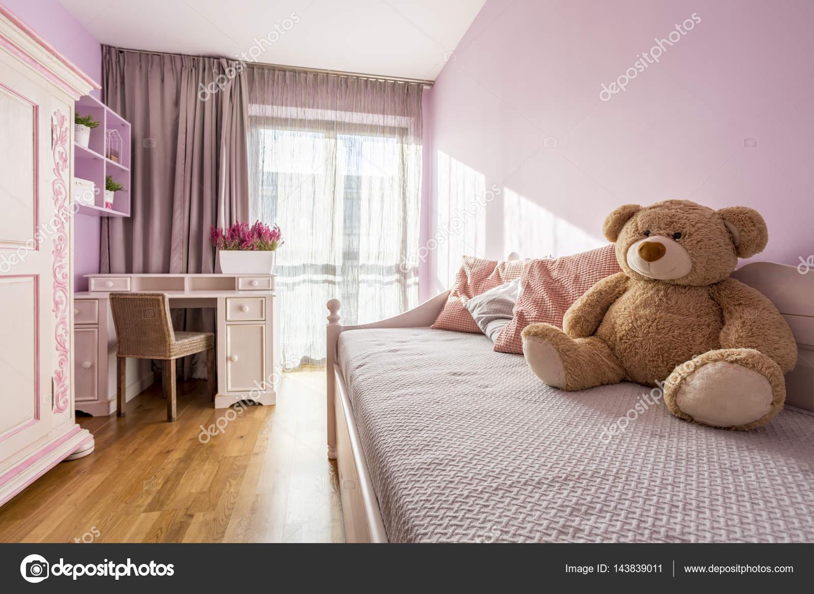 Meisje roze slaapkamer u stockfoto photographee eu