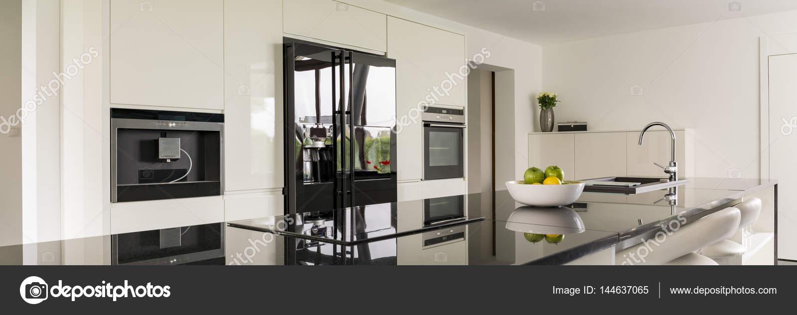 Bancada Na Cozinha Moderna Fotografias De Stock Photographee Eu