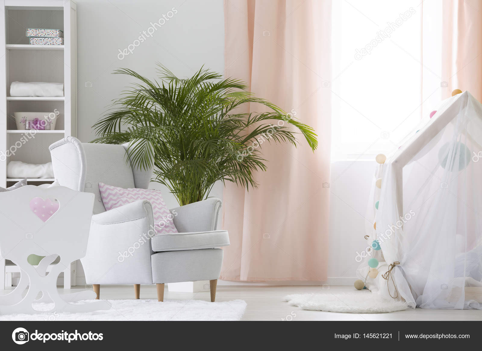 Ansprechend Sessel Babyzimmer Beste Wahl Mit Sessel, Krippe Und Anlagenbau — Stockfoto