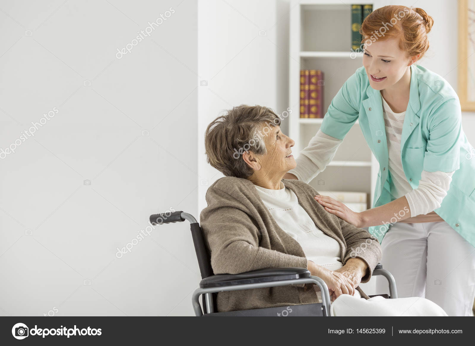 Воспитатель в доме престарелых как определить в дома престарелых