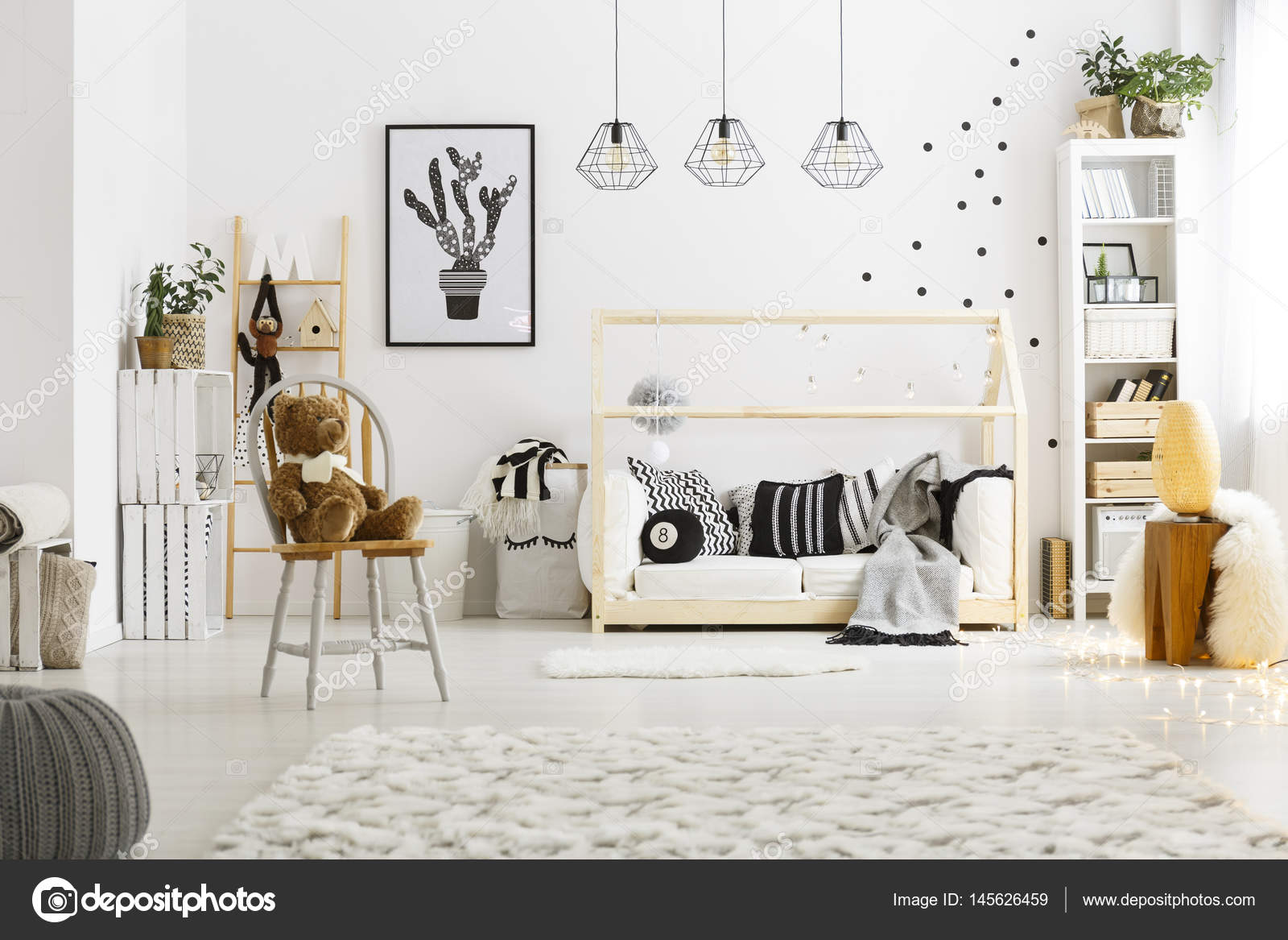 Slaapkamer Met Tapijt : Witte kind slaapkamer met tapijt u stockfoto photographee eu