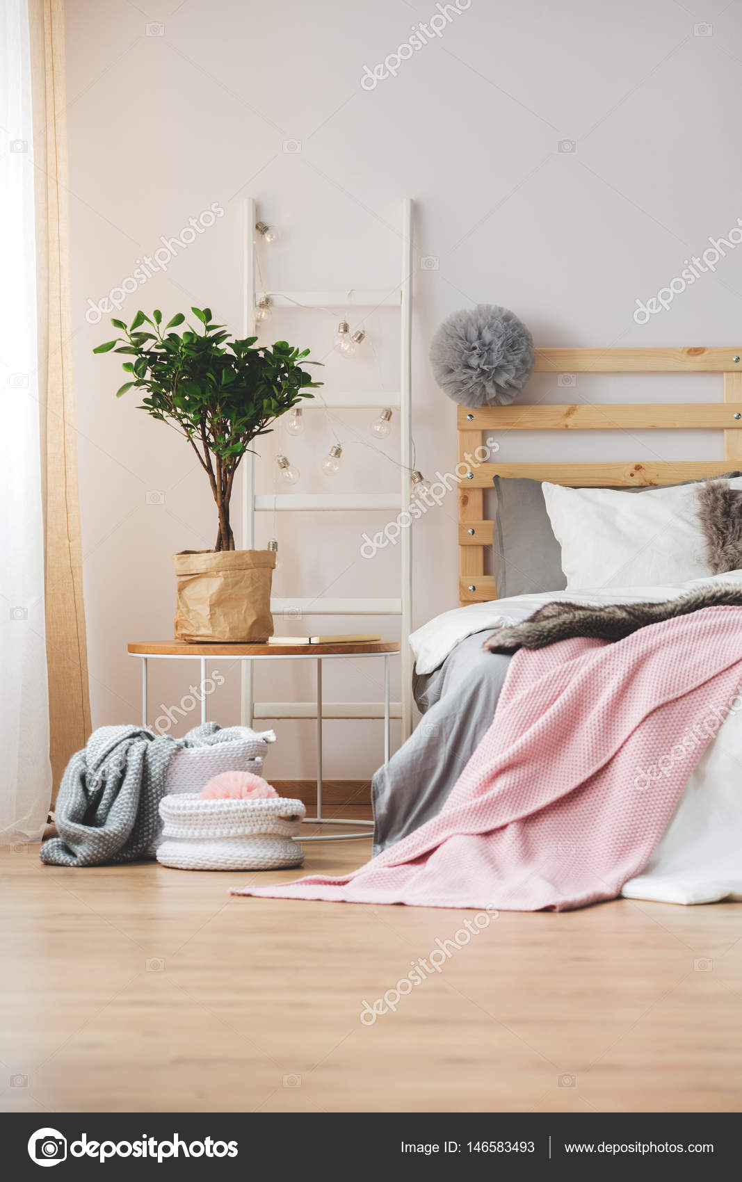 Yatak Odasında Kullanılacak Tablo Modelleri