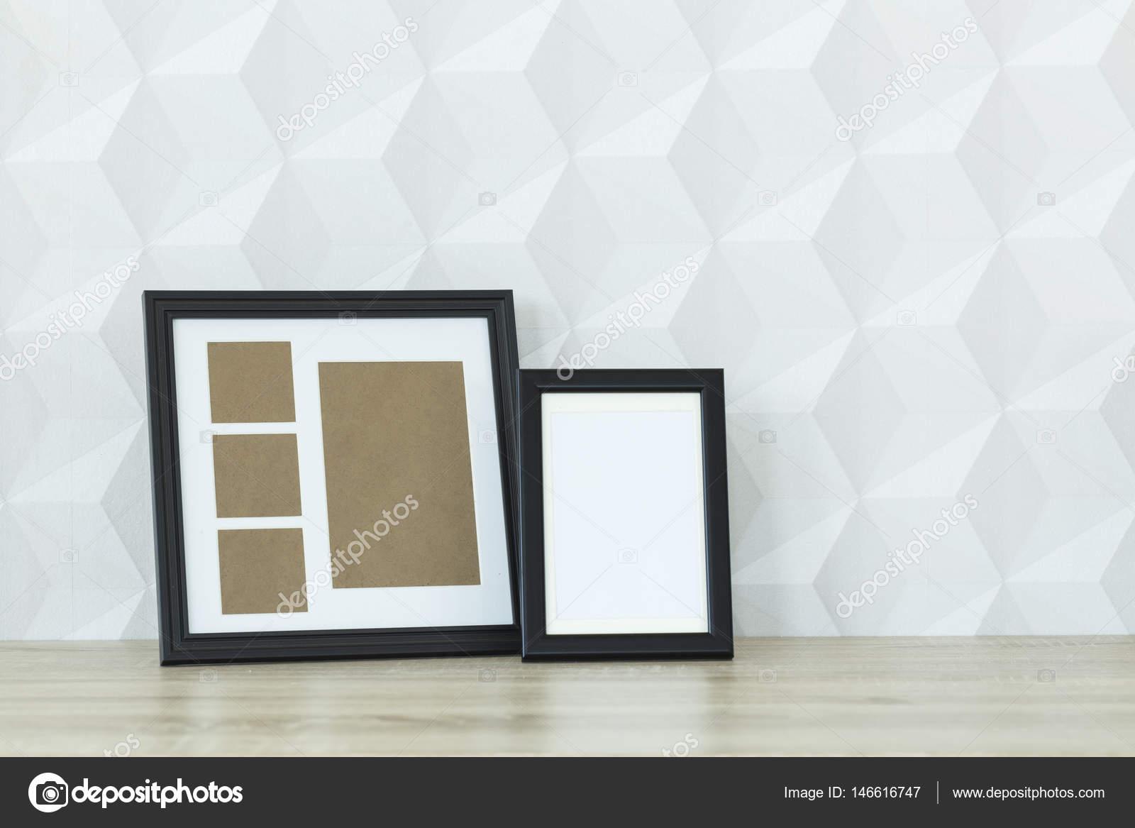 Marcos de la maqueta en un escritorio — Fotos de Stock ...