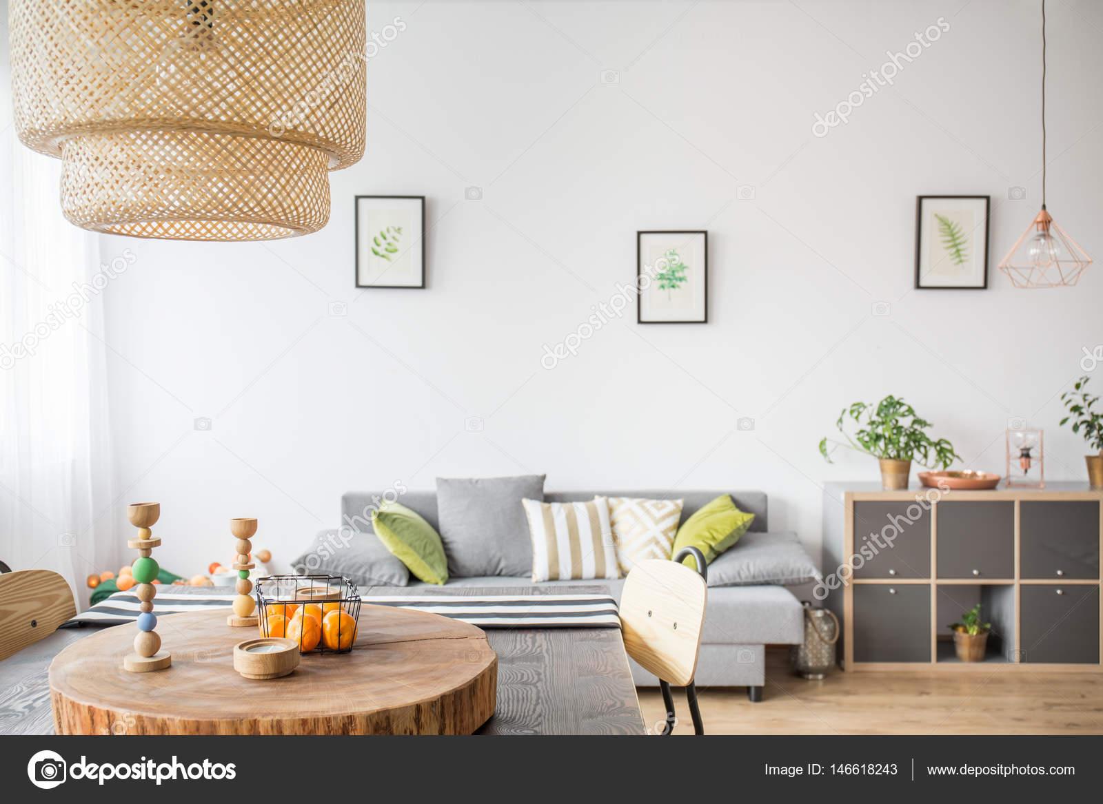 interieur met houten accessoires stockfoto