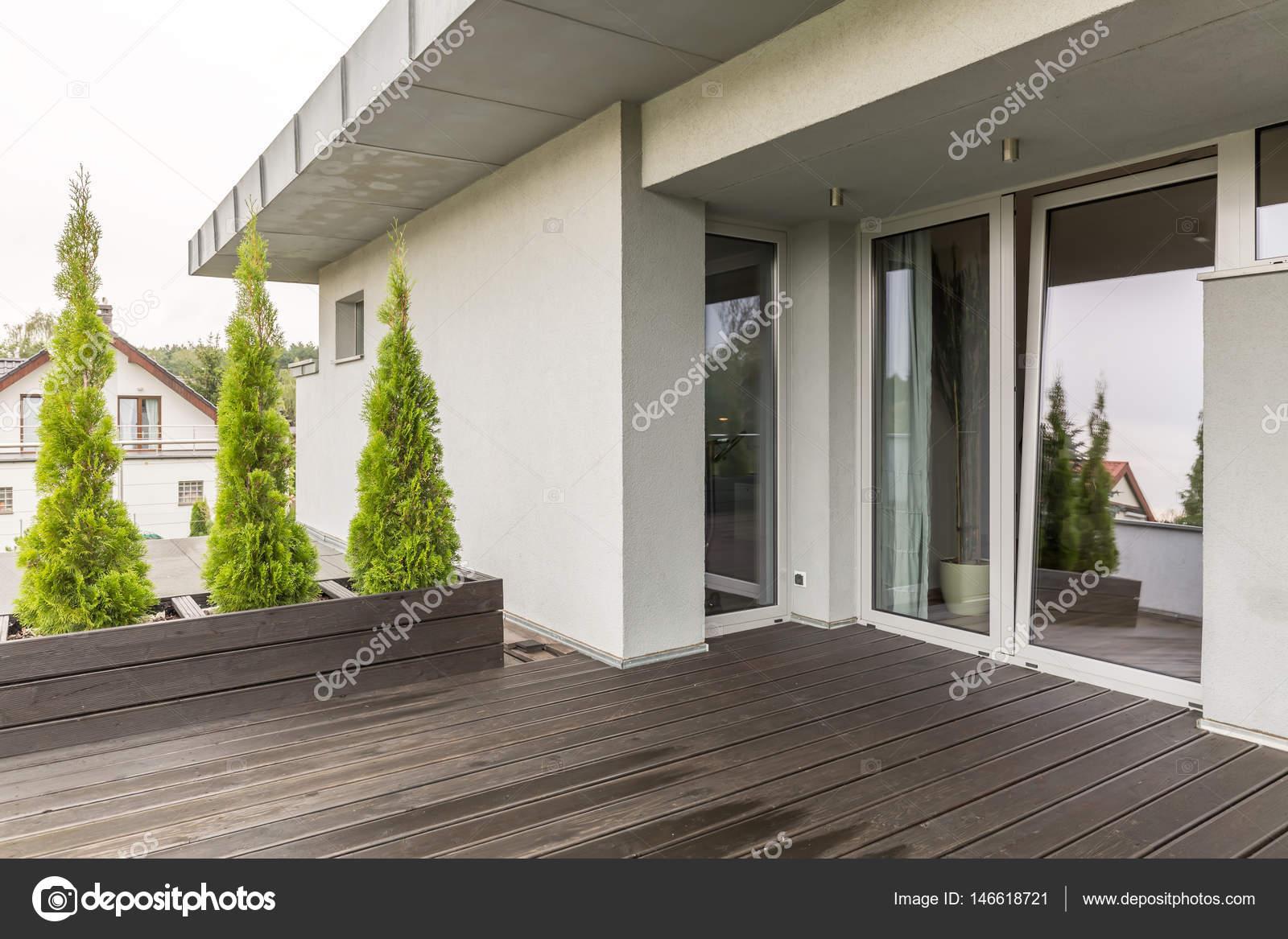 Luxuriöse Villa Terrasse Idee — Stockfoto © photographee.eu ...
