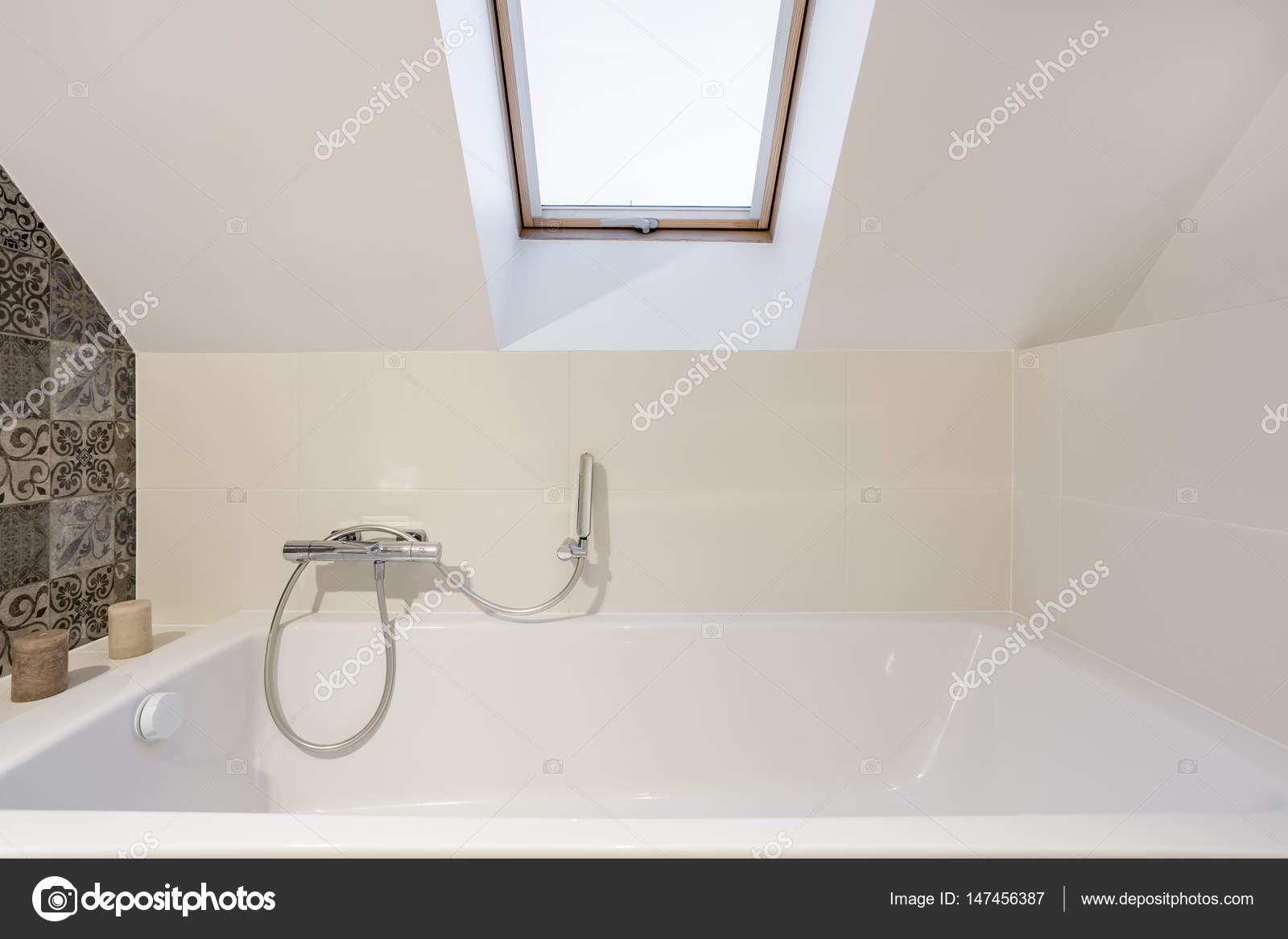 Badkamer in het hok u stockfoto photographee eu