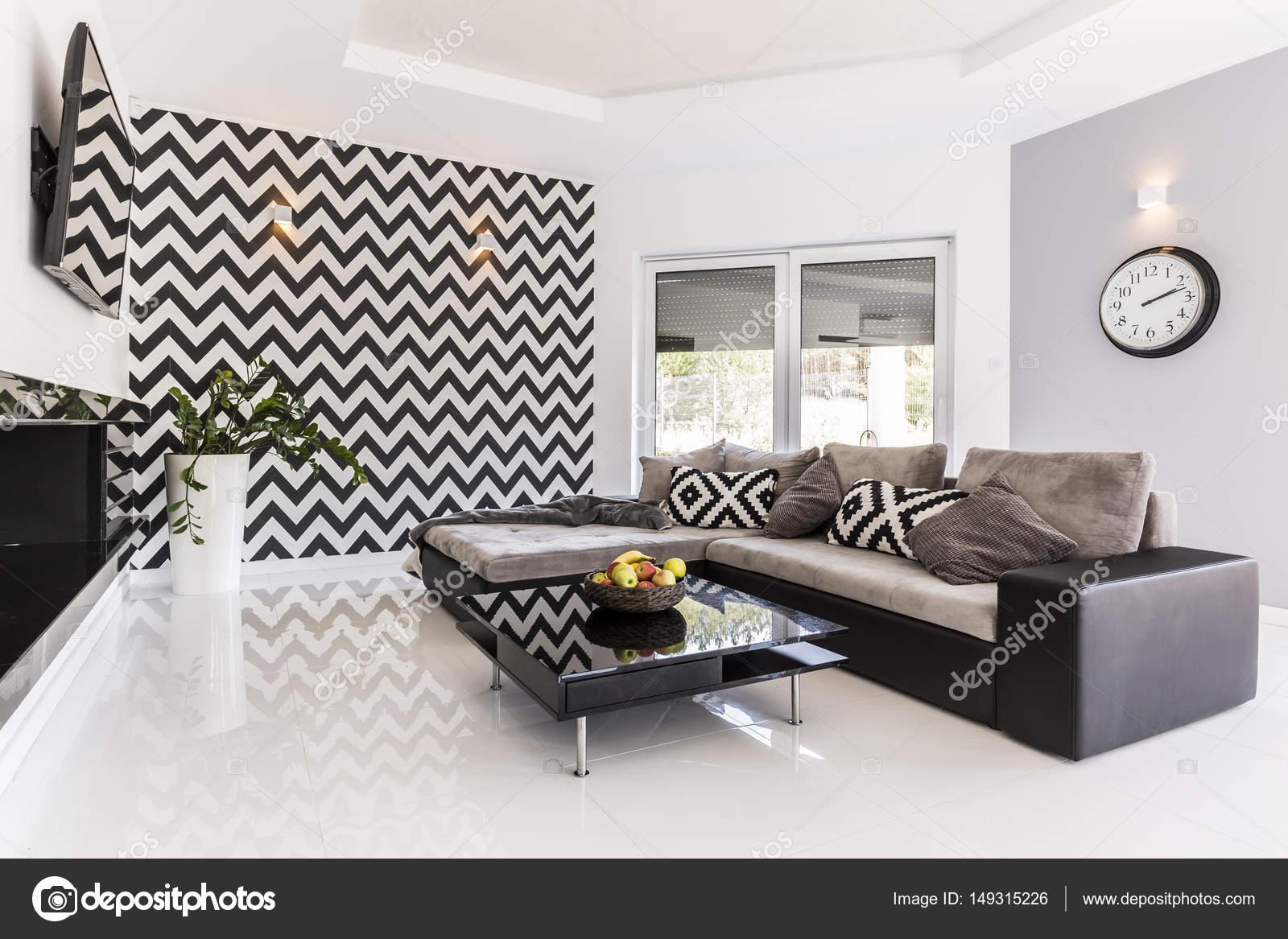 Pareti A Strisce Bianco E Nero : Soggiorno elegante in bianco e nero u foto stock photographee eu