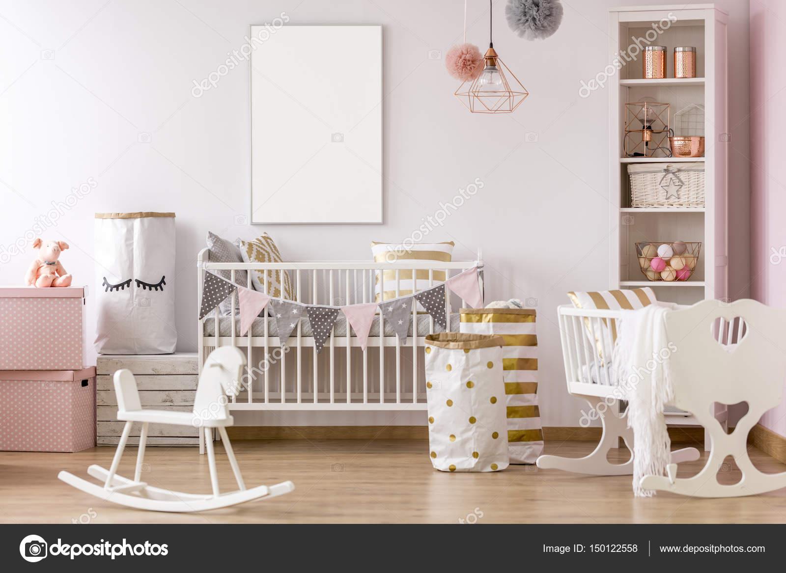 Weiss Rosa Babyzimmer Stockfoto C Photographee Eu 150122558
