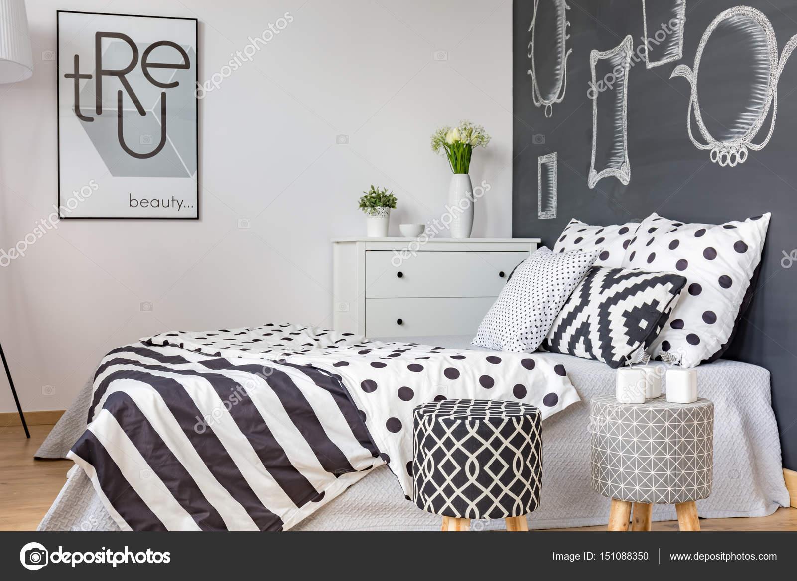 Schwarz Weiß Bettwäsche Stockfoto Photographeeeu 151088350