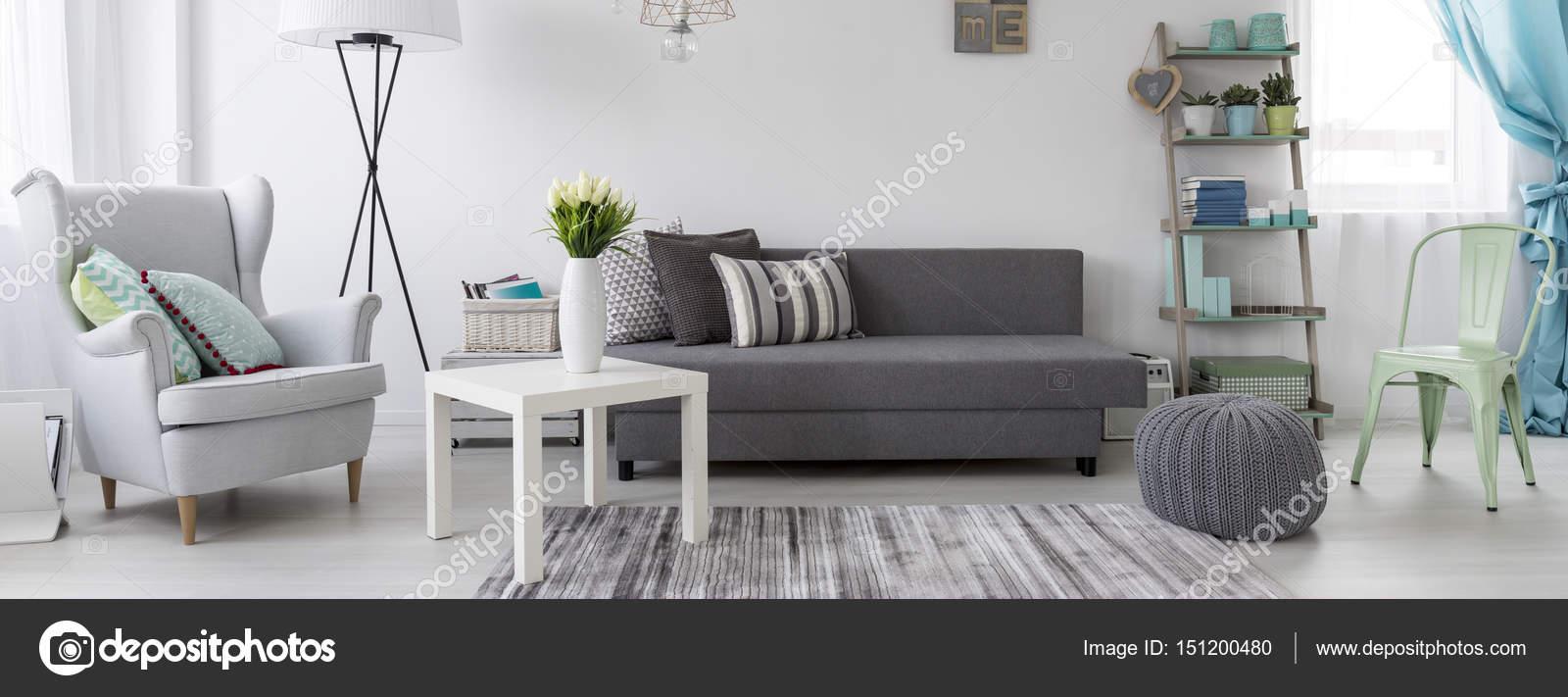Woonkamer in Scandinavische stijl idee — Stockfoto © photographee.eu ...