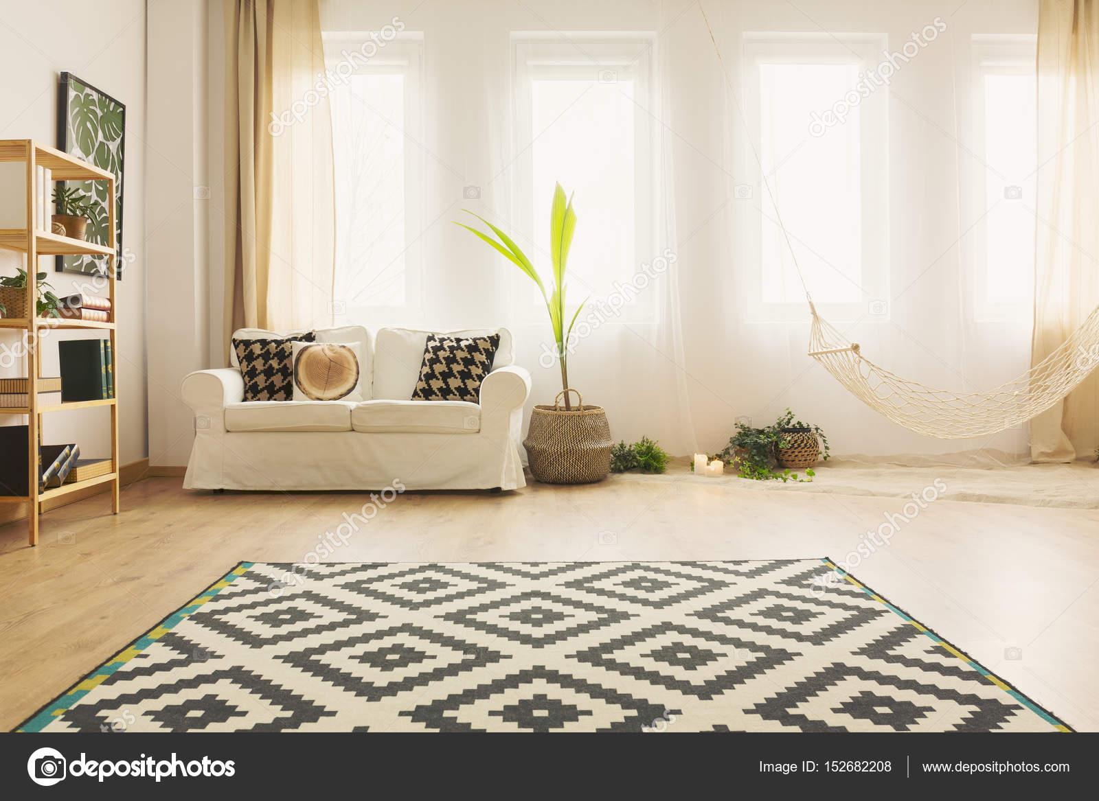 Wohnzimmer Sand | Sand Wohnzimmer Mit Hangematte Stockfoto C Photographee Eu 152682208
