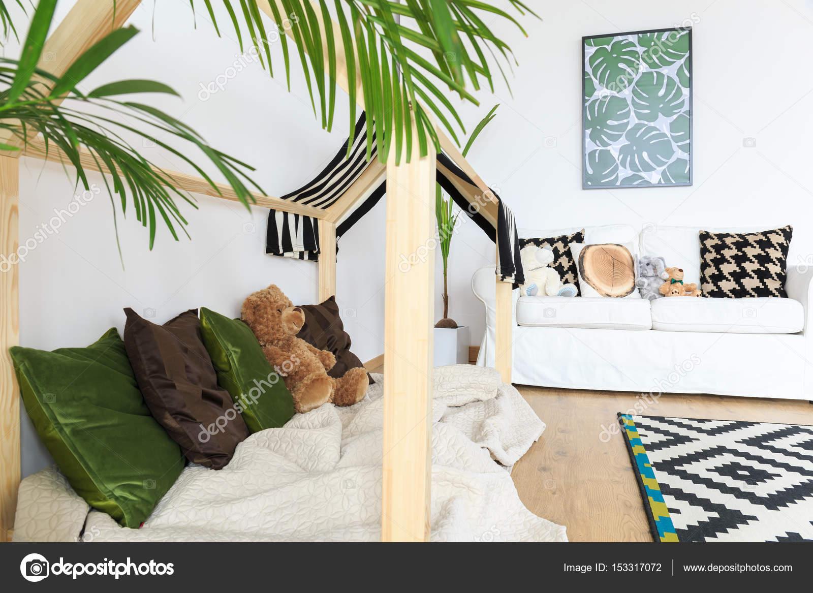https://st3.depositphotos.com/2249091/15331/i/1600/depositphotos_153317072-stock-photo-botanical-and-calm-kids-interior.jpg