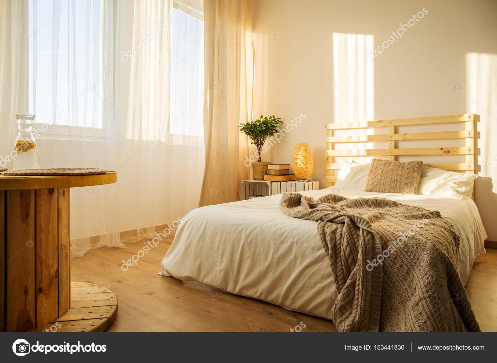 Wzór W Biało Beżowa Sypialnia Zdjęcie Stockowe