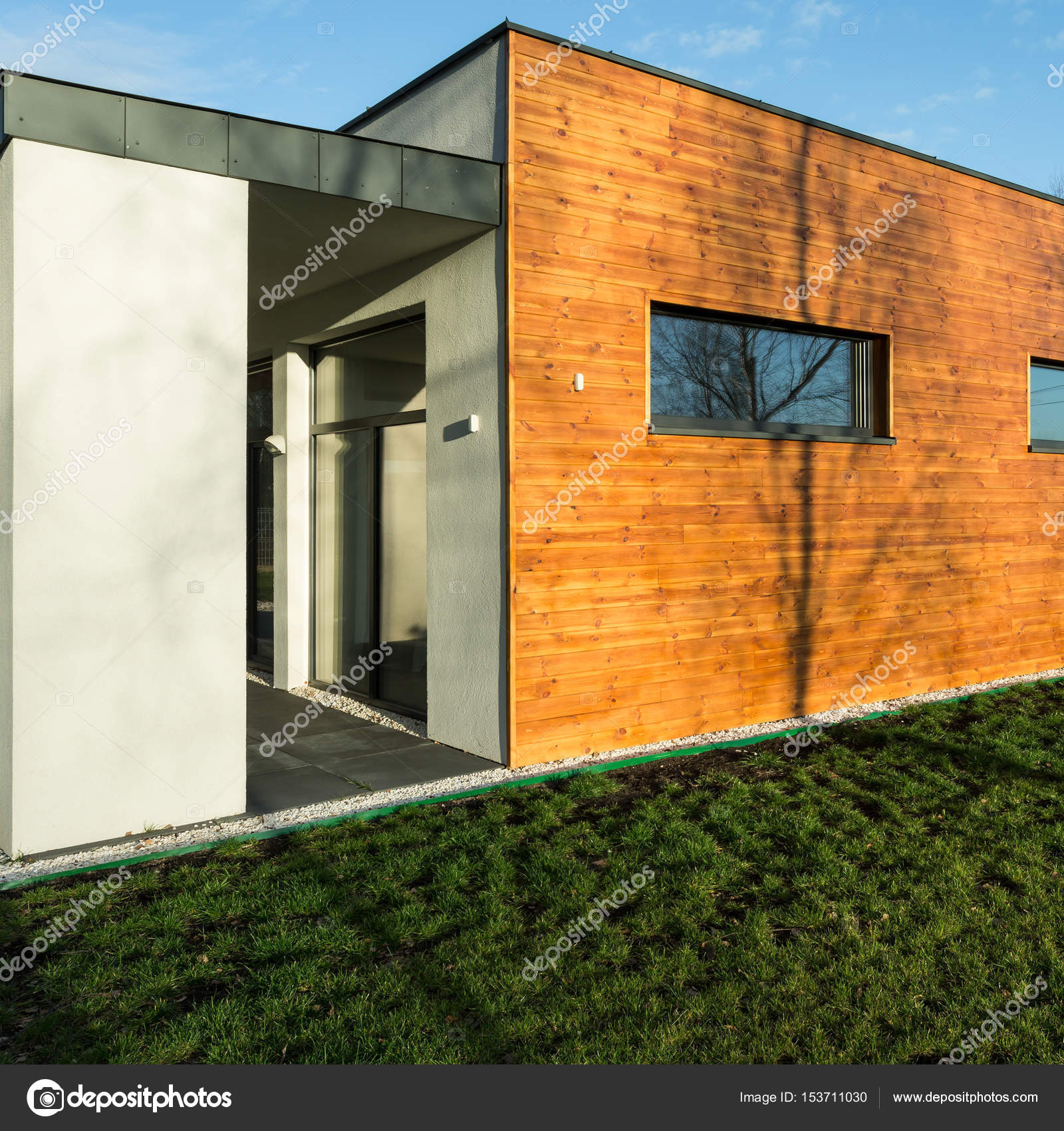 Wood Used For Elevation : Exterior wooden elevation — stock photo photographee eu