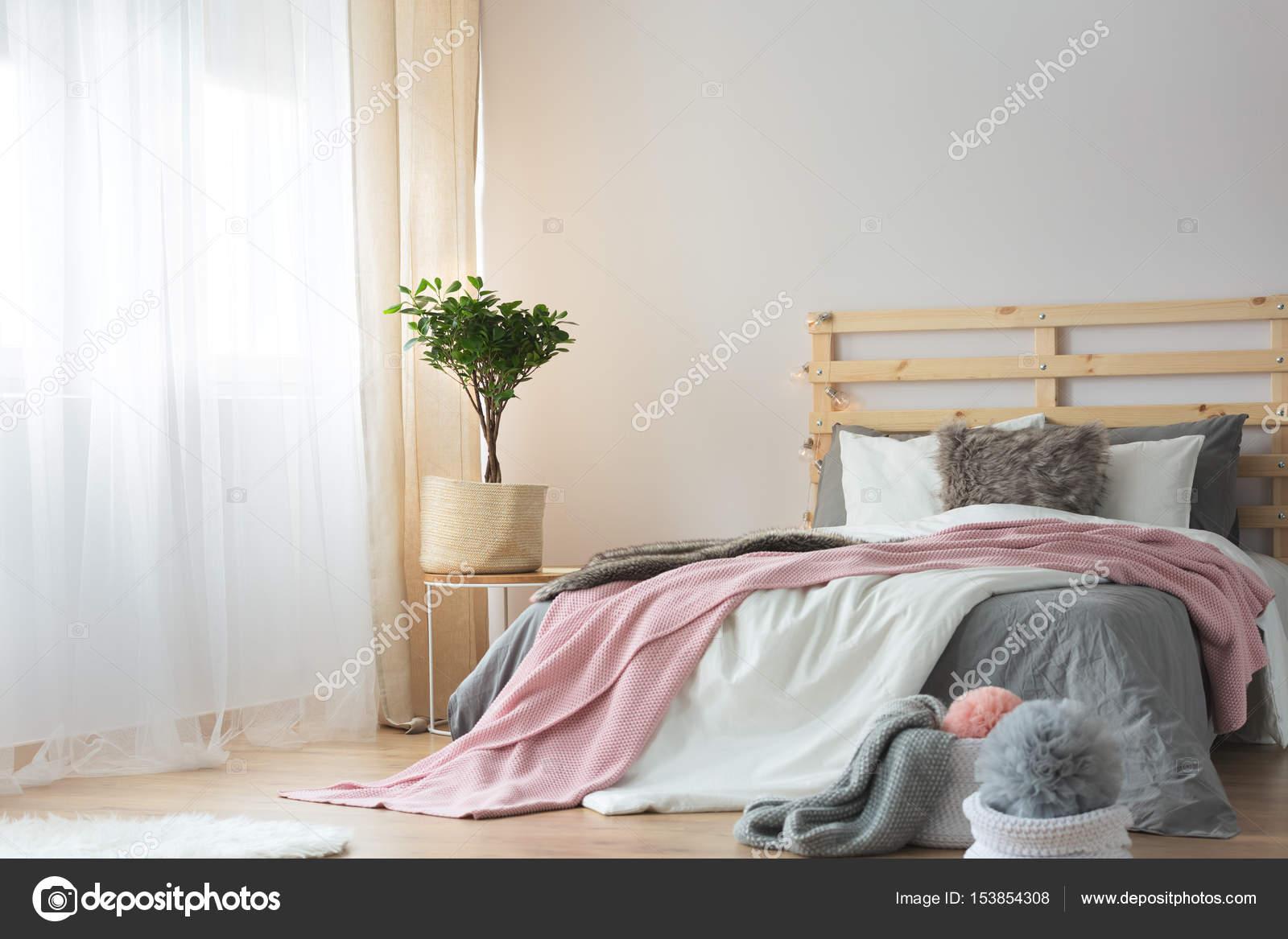 Décor de chambre simple — Photographie photographee.eu ...