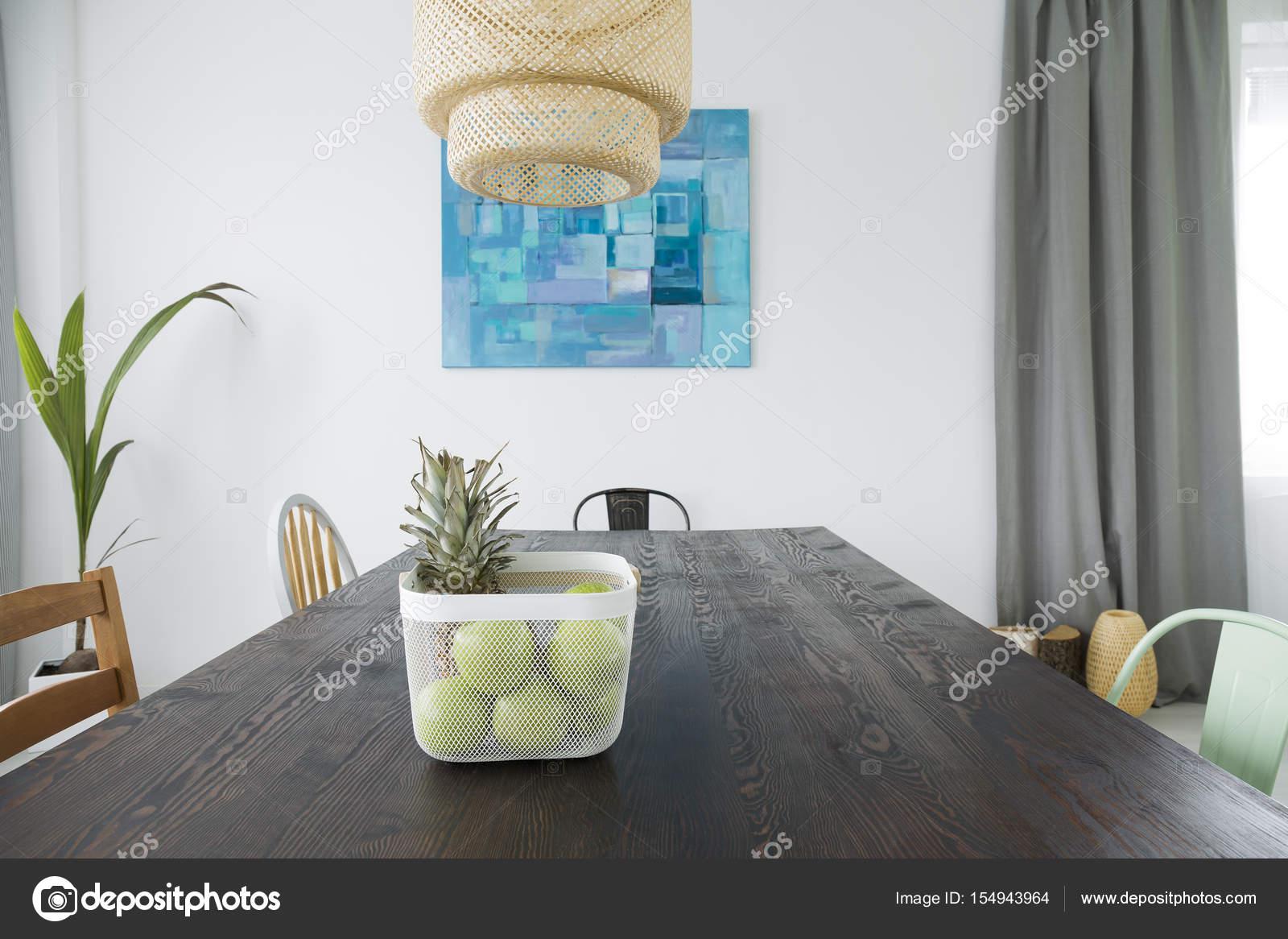Rum med rustika matbord — Stockfotografi © photographee.eu #154943964
