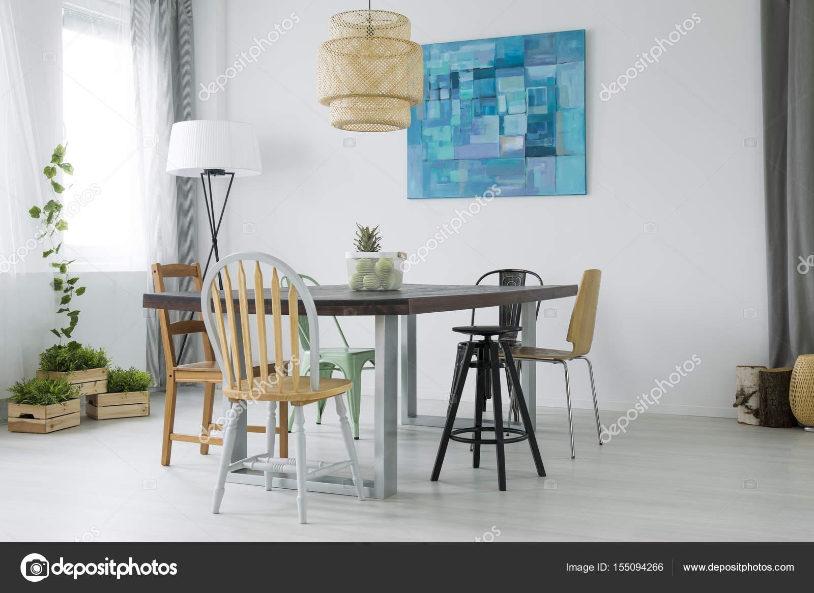 Witte eetkamer met planten — Stockfoto © photographee.eu #155094266