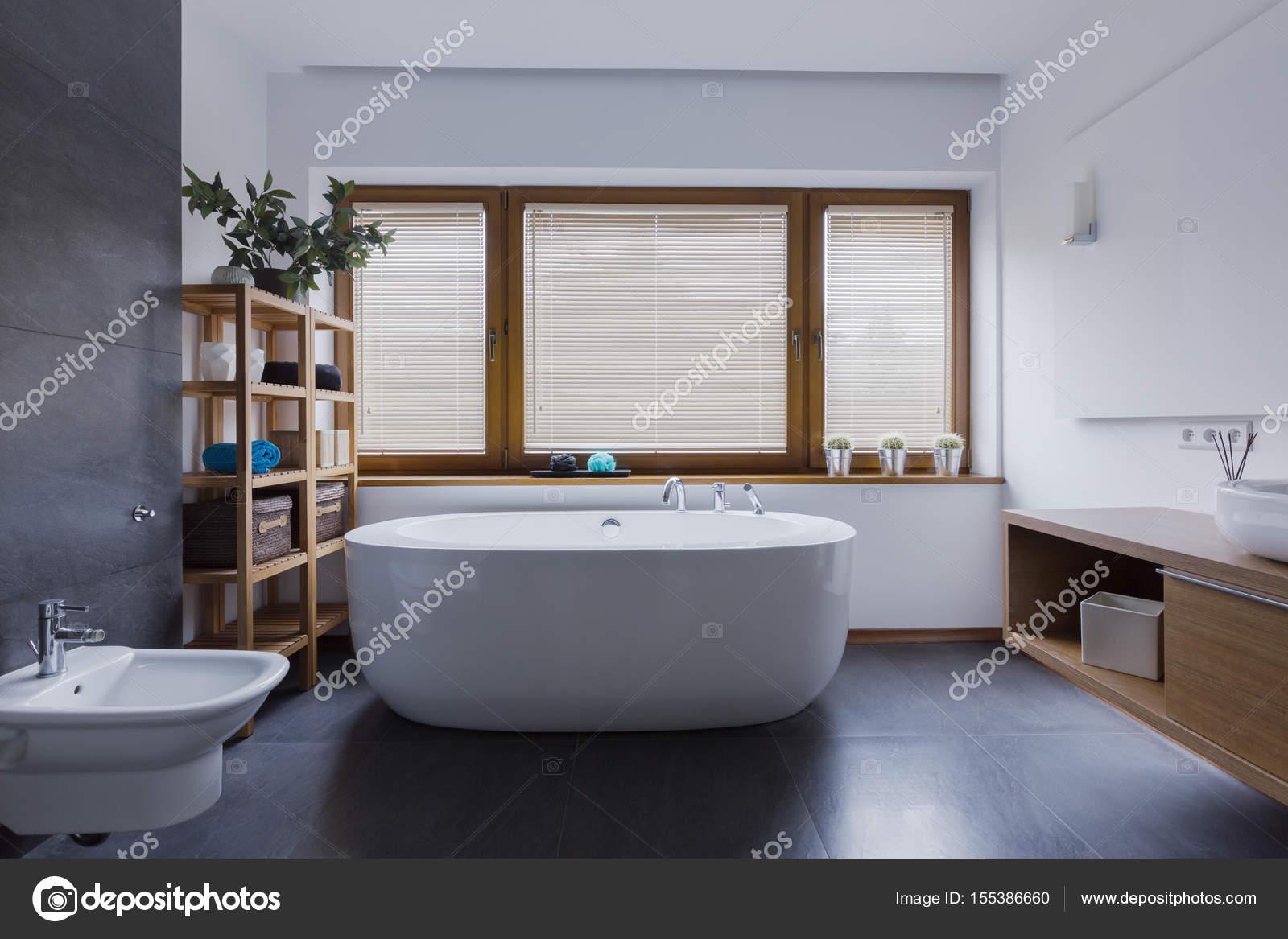 Badkamer Vrijstaand Bad : Badkamer vrijstaand bad modern strakke badkamer met