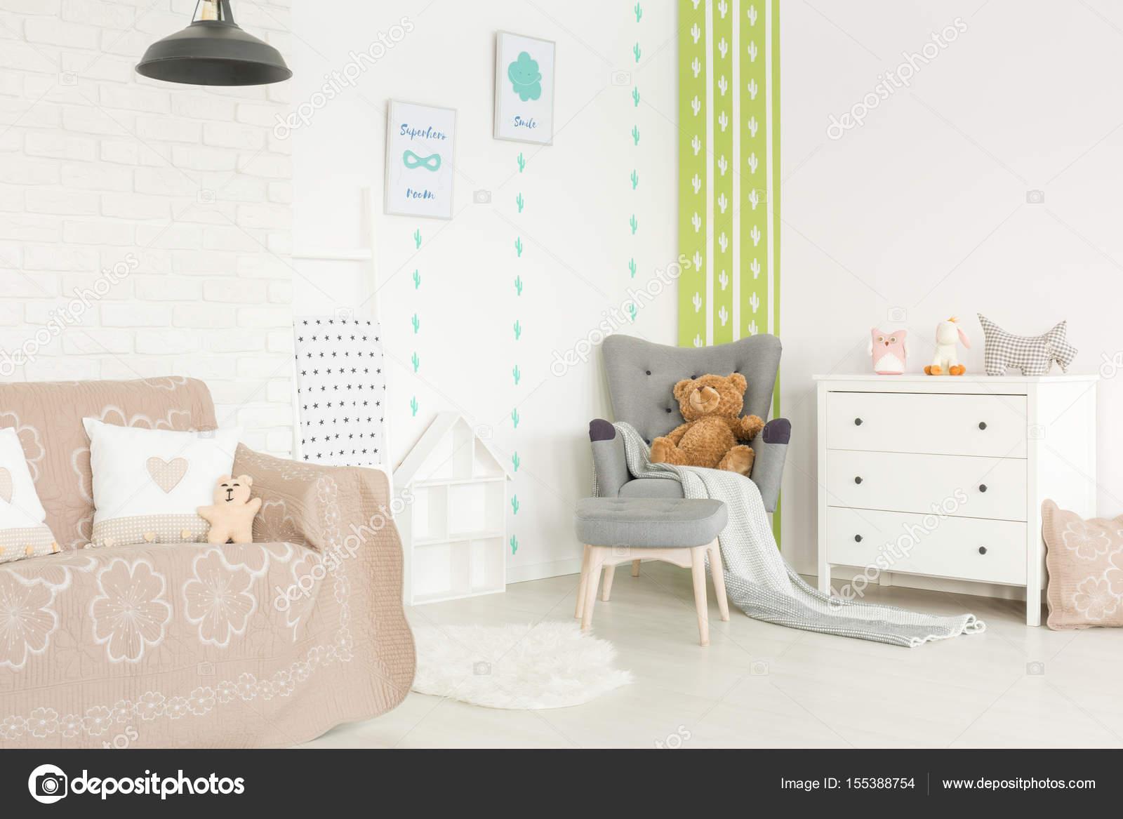 Poster Babykamer Pastel : Baby kamer met pastel toebehoren u2014 stockfoto © photographee.eu