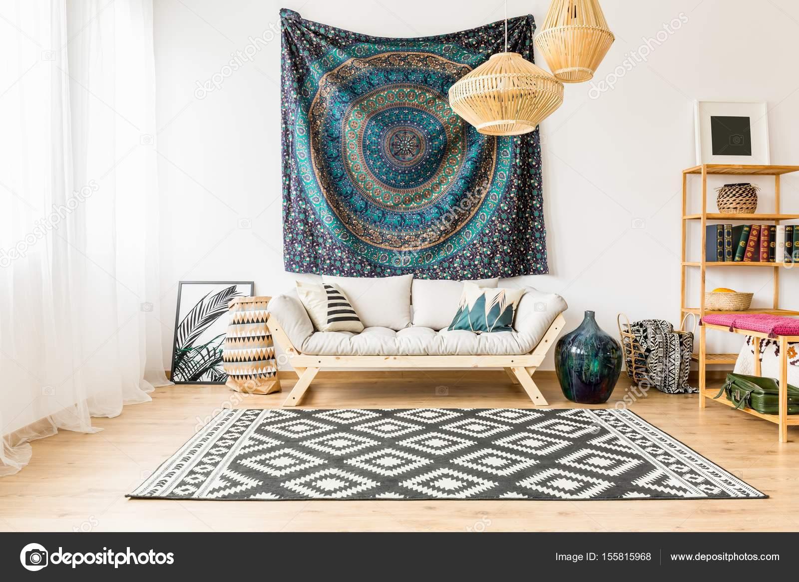 Soggiorno con accessori orientali — Foto Stock © photographee.eu ...