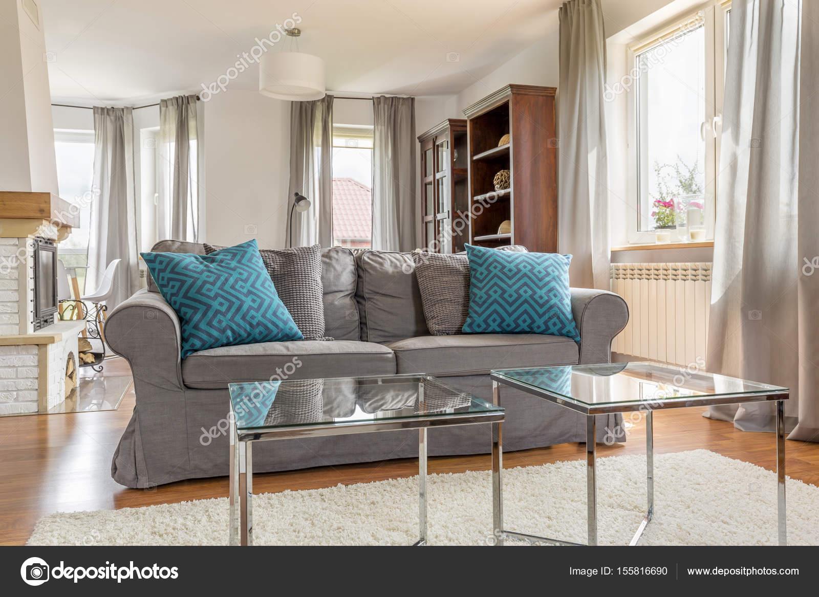 Moderne en lichte woonkamer — Stockfoto © photographee.eu #155816690