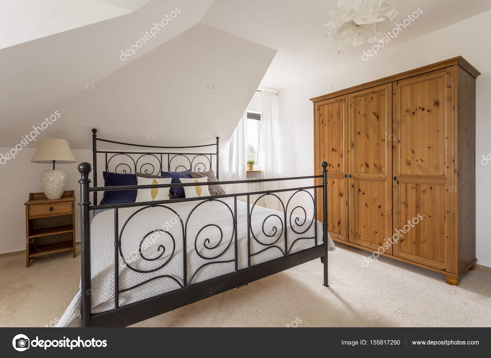 Sypialnia Z Dużym łóżkiem Zdjęcie Stockowe Photographee