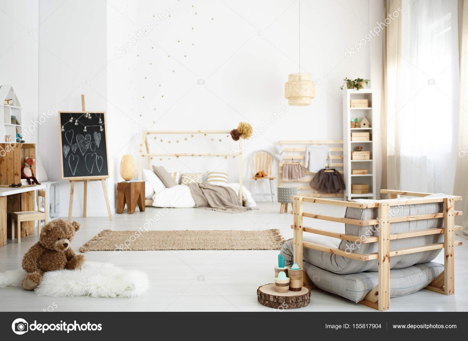 Witte Slaapkamer Inspiratie : Inspirerende scandinavische witte girl s slaapkamer u stockfoto