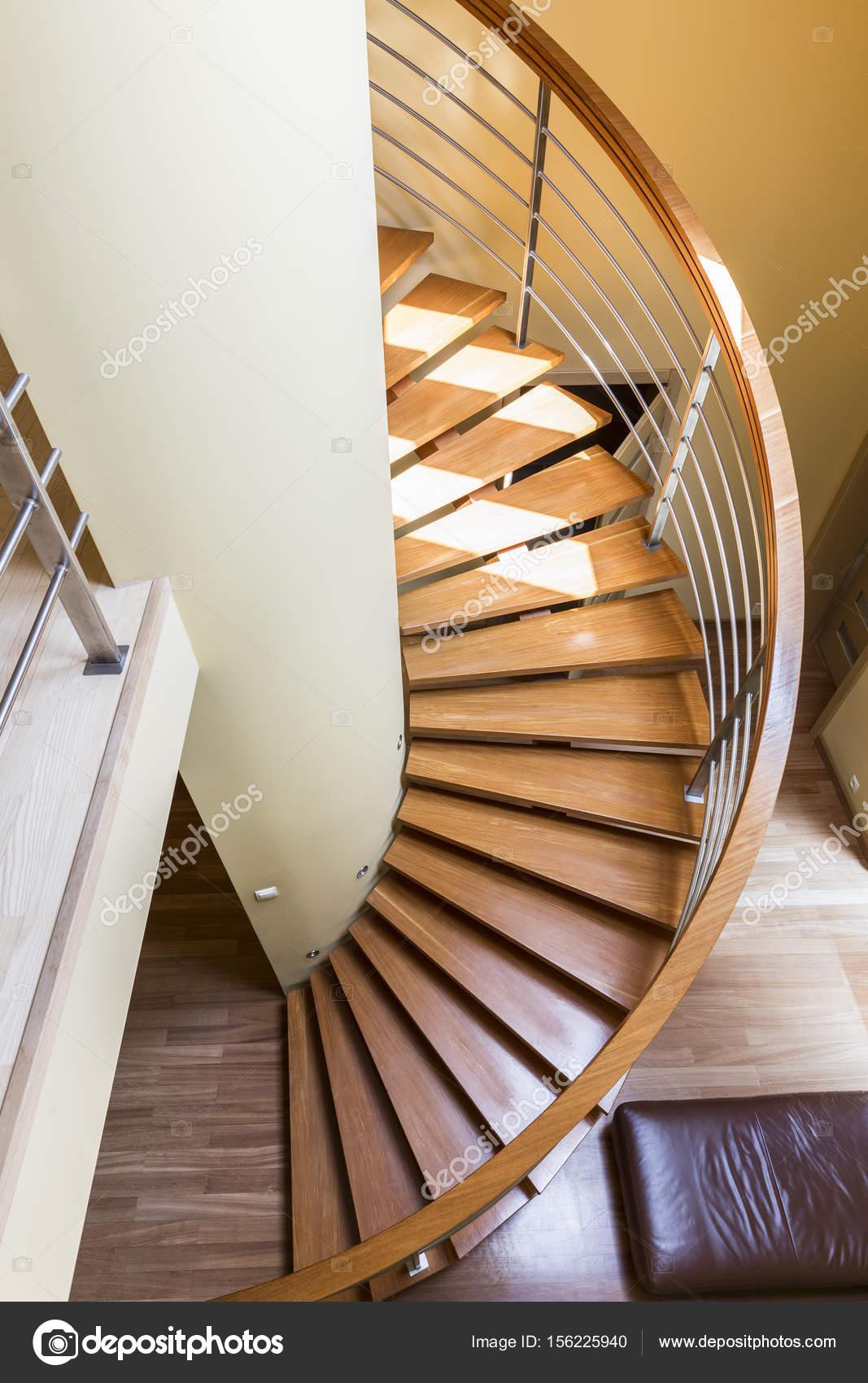 Fotos escaleras de madera caracol escalera de caracol - Escalera caracol de madera ...