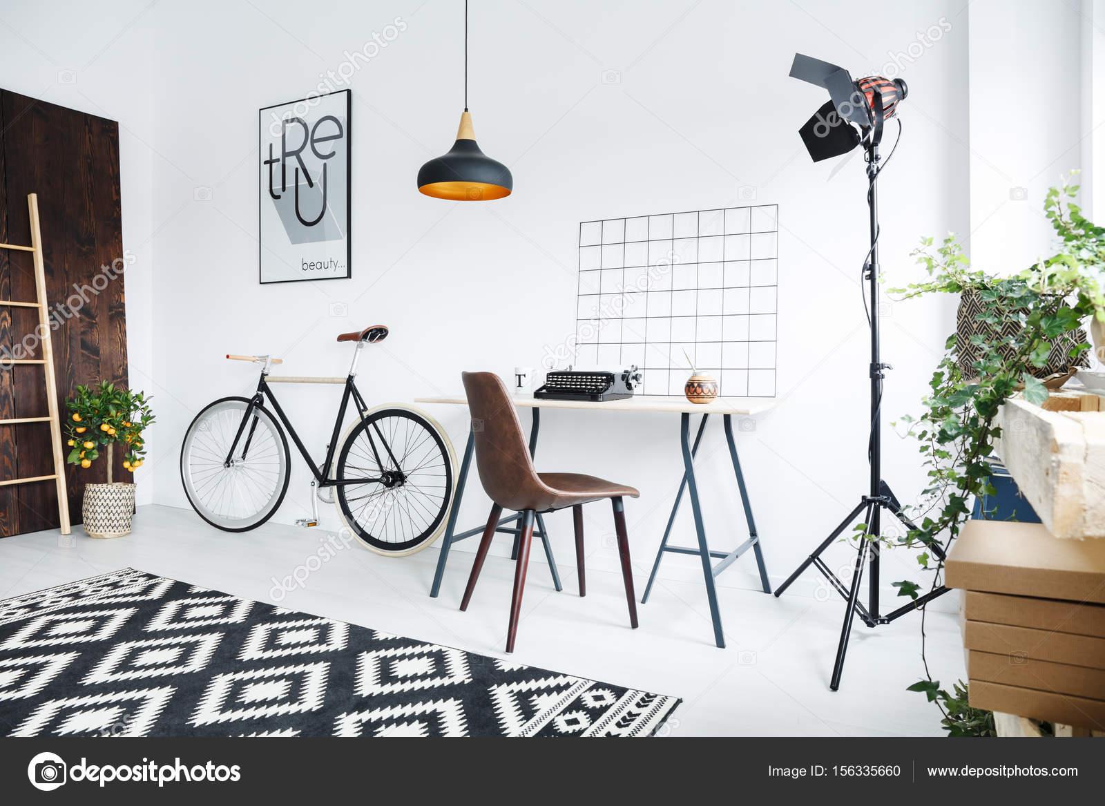 Creatieve kamer interieur — Stockfoto © photographee.eu #156335660