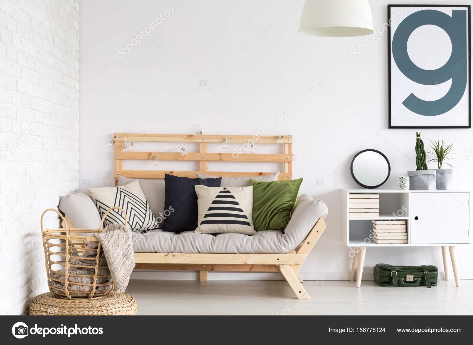 kleines gemütliches Wohnzimmer — Stockfoto © photographee.eu #156778124